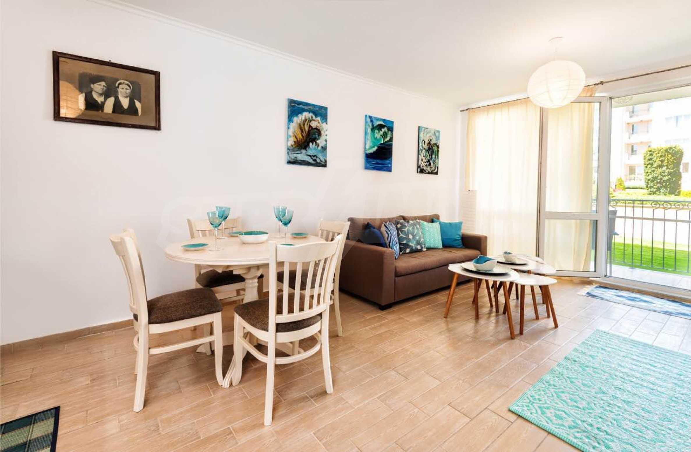 Стилен тристаен апартамент в гр. Черноморец 22