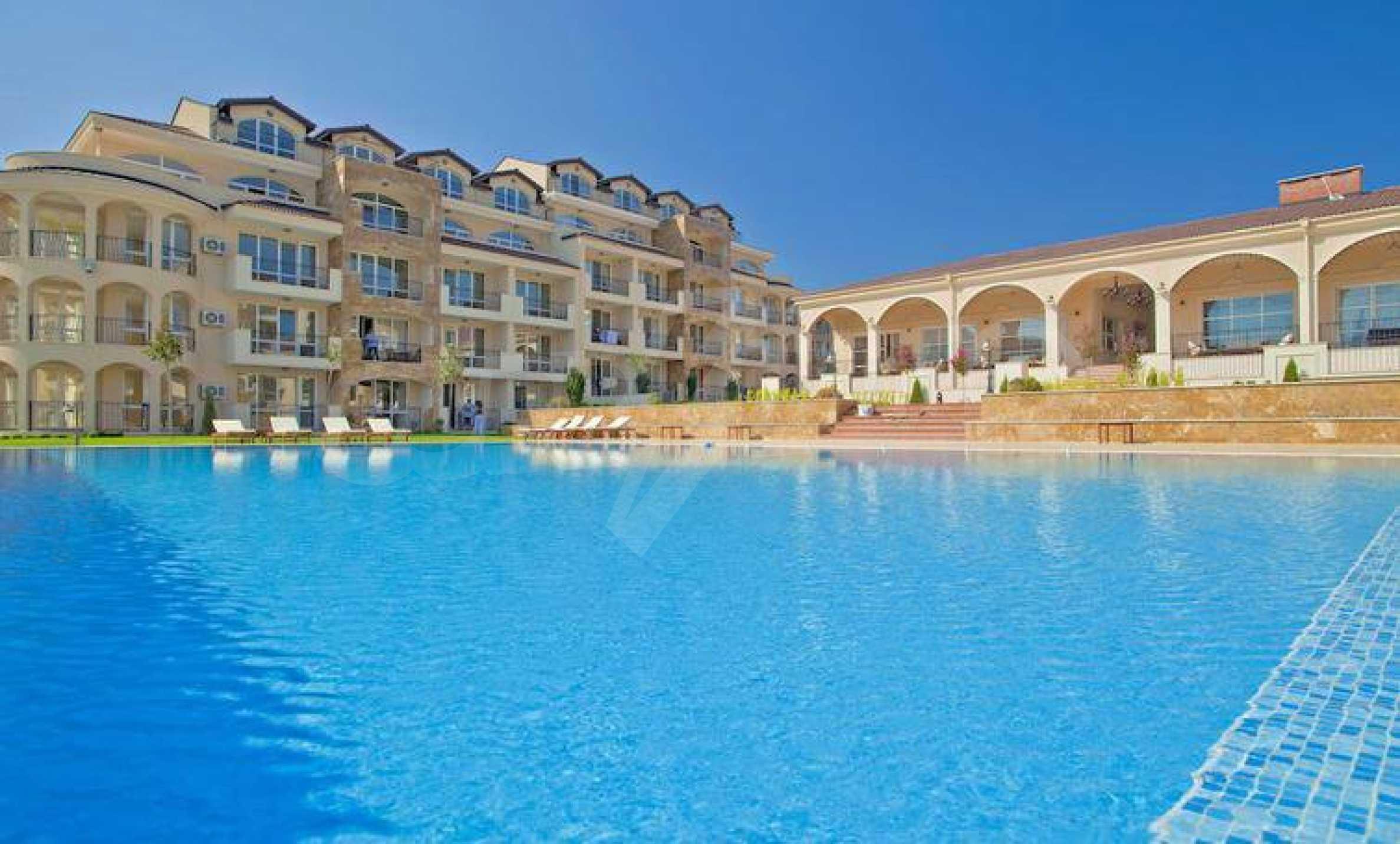 Стилен тристаен апартамент в гр. Черноморец 2
