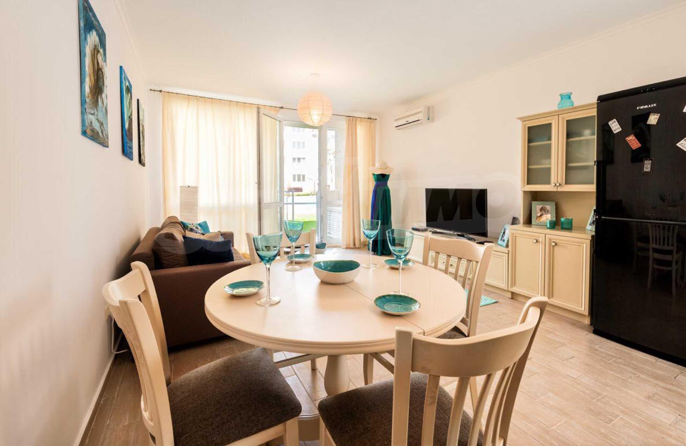 Стилен тристаен апартамент в гр. Черноморец 8