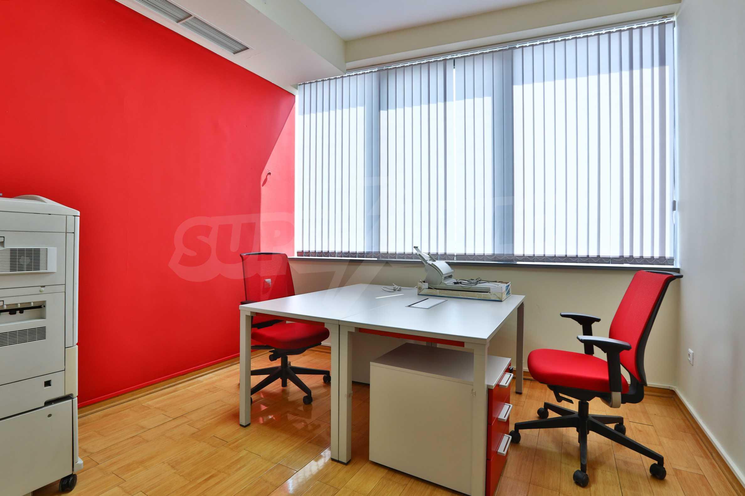 Офис с паркомясто в луксозната Бизнес сграда Белисимо, кв. Манастирски ливади 9
