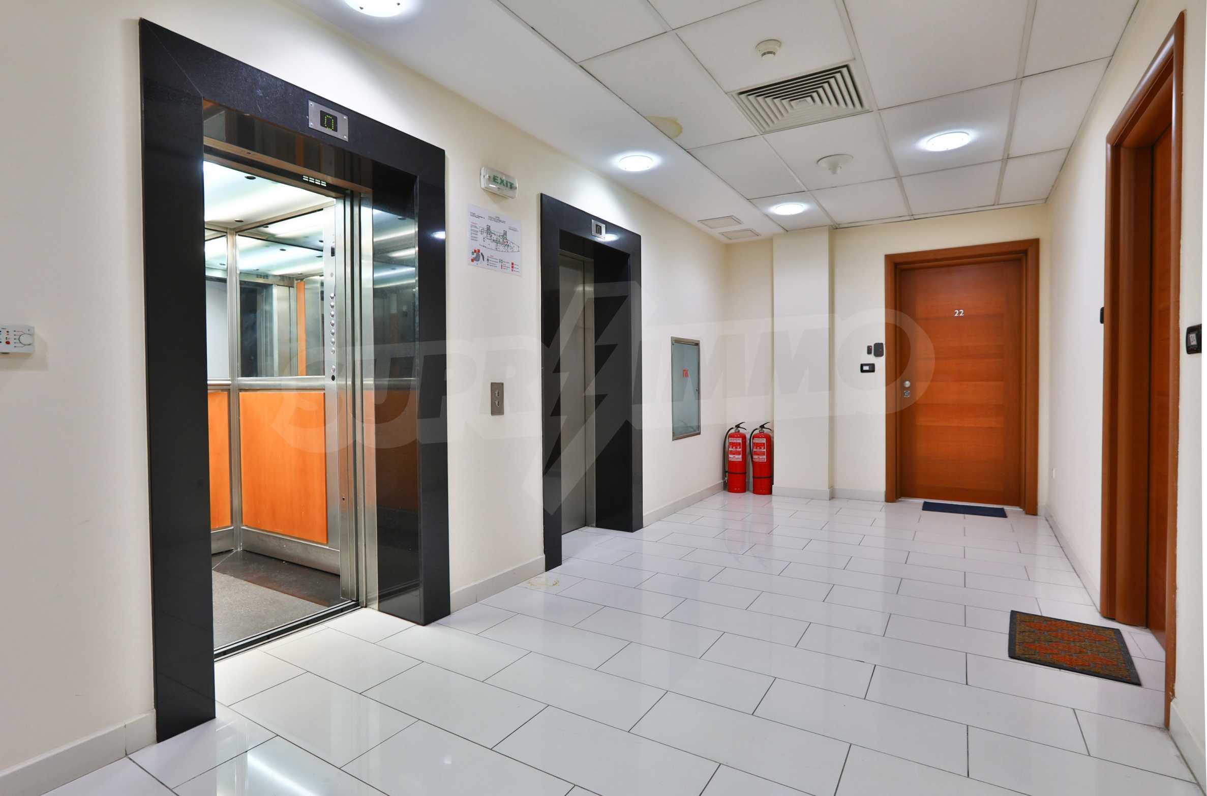 Офис с паркомясто в луксозната Бизнес сграда Белисимо, кв. Манастирски ливади 13