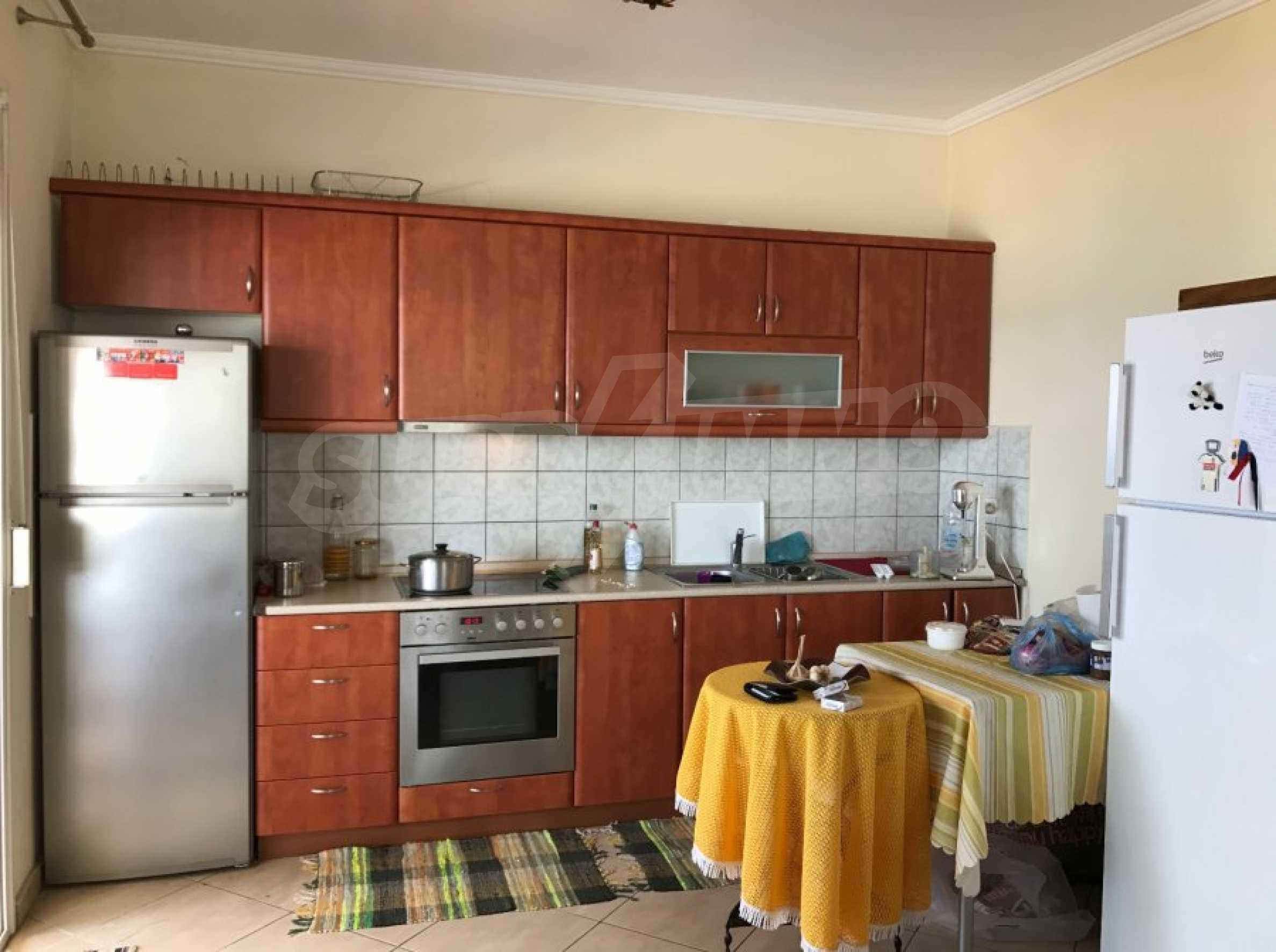 Просторен апартамент на първа линия в Паралия Офринио, Кавала 9