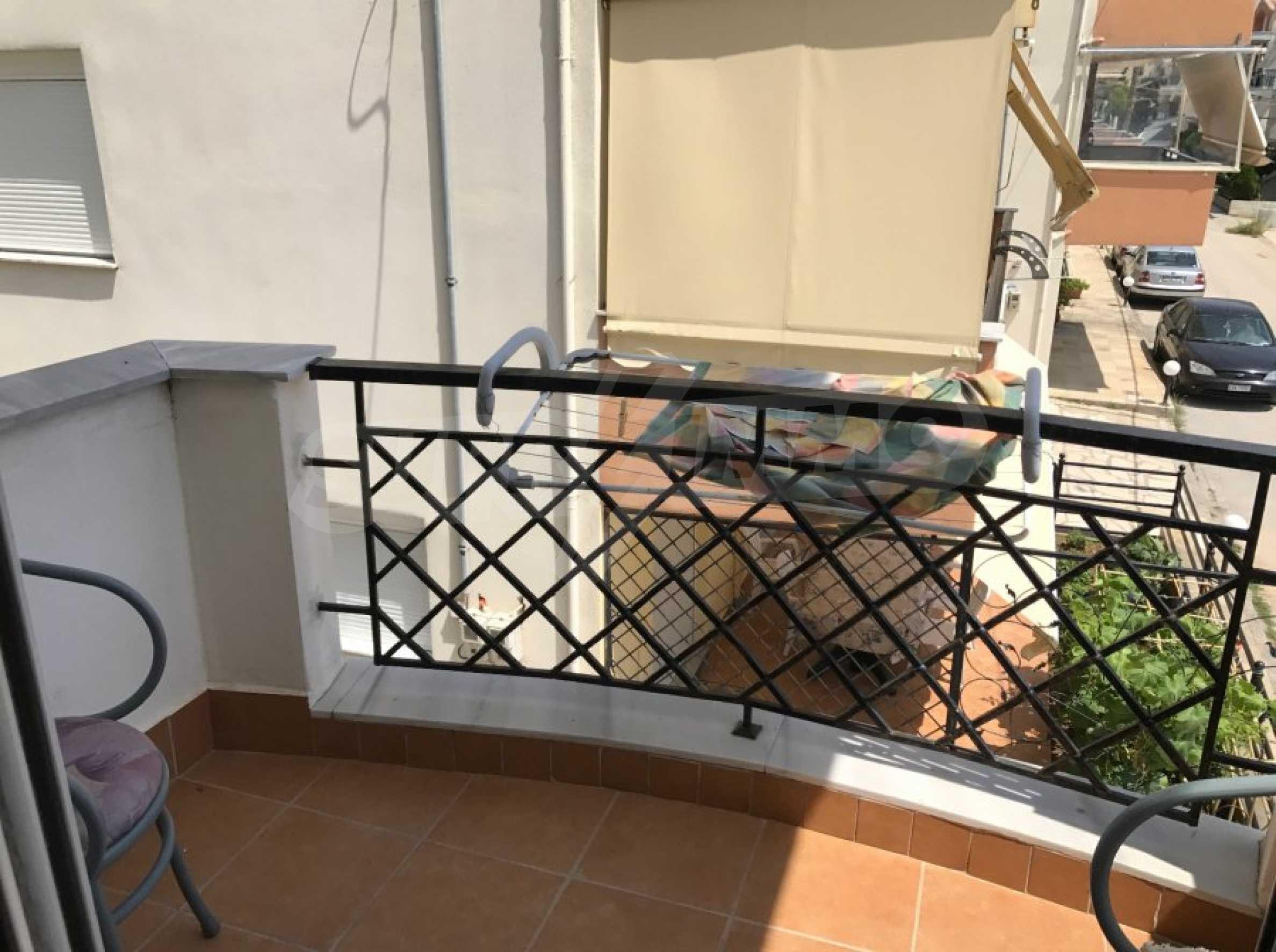 Просторен апартамент на първа линия в Паралия Офринио, Кавала 20
