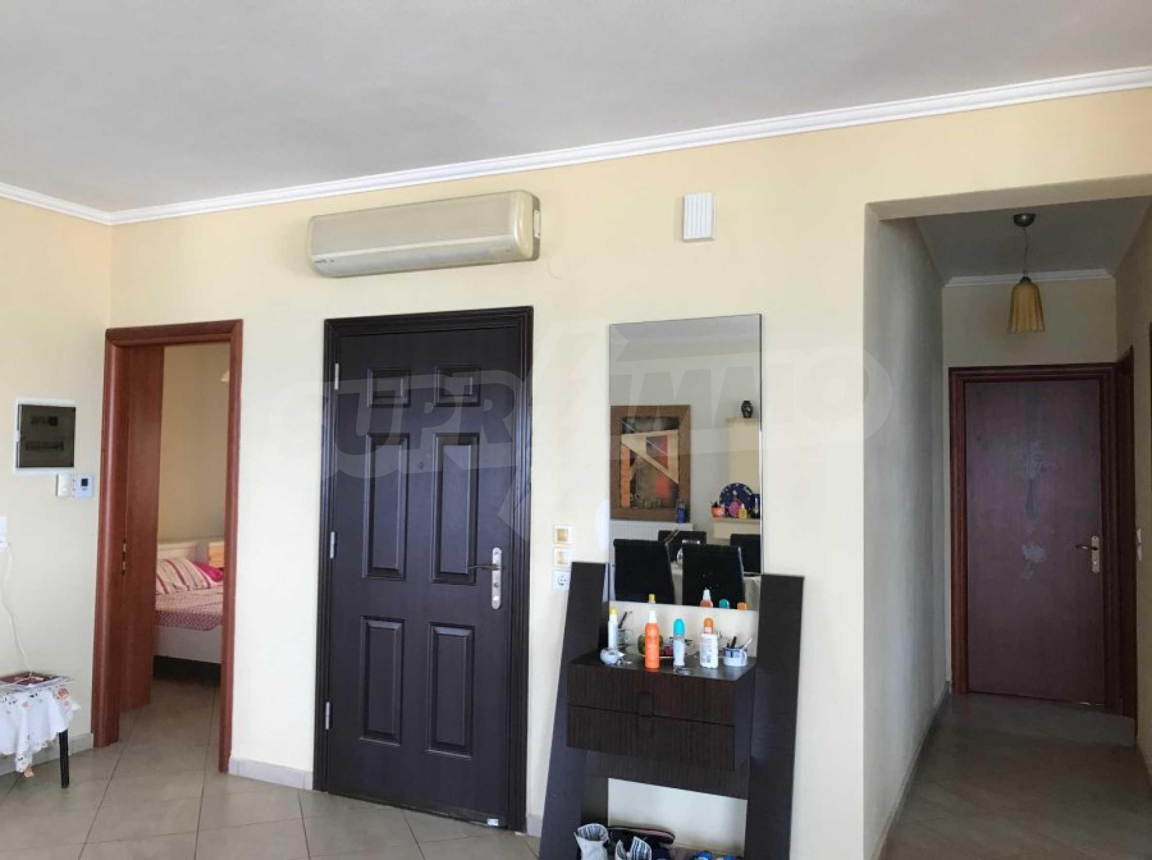 Просторен апартамент на първа линия в Паралия Офринио, Кавала 7