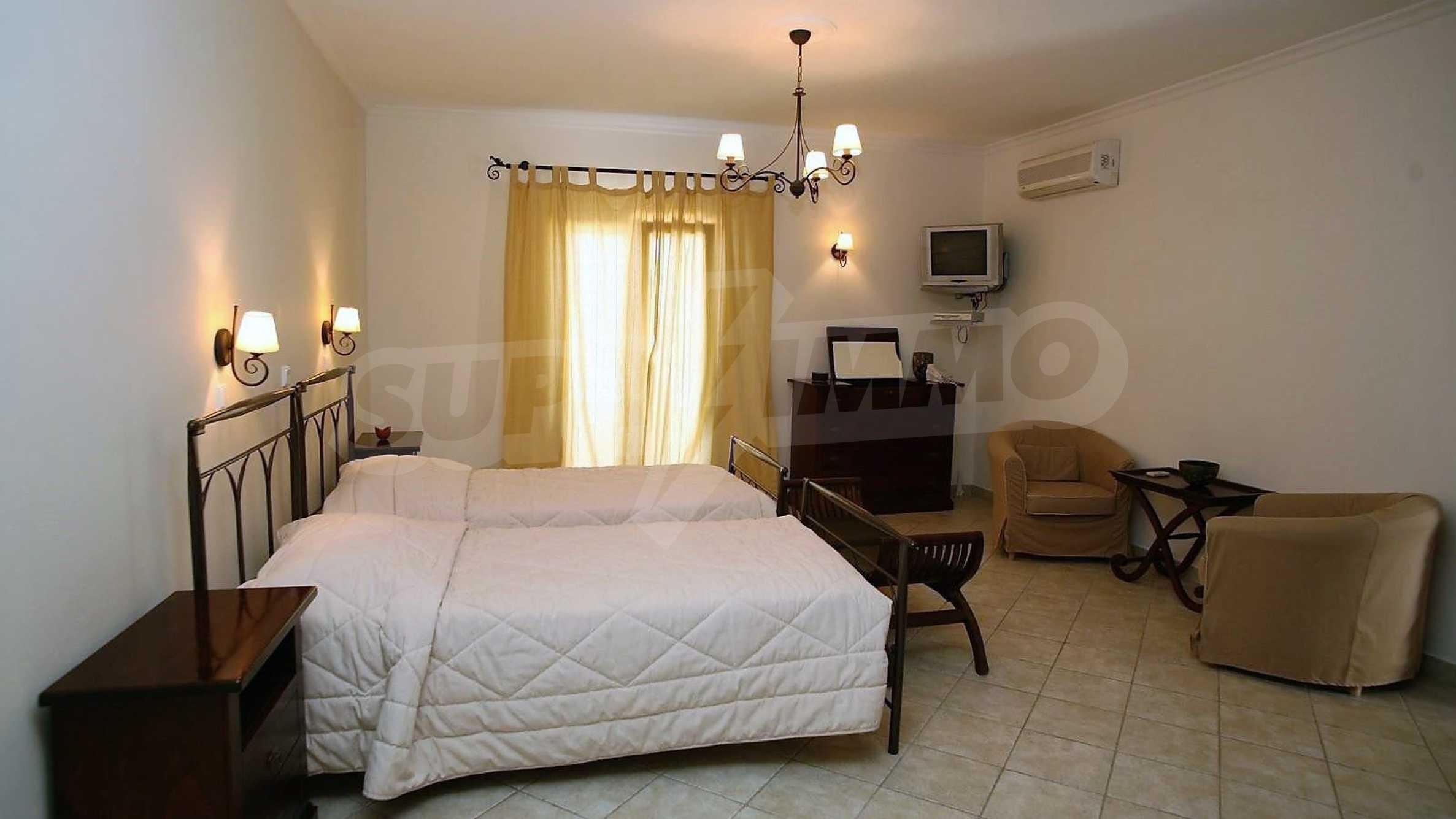 Превъзходна резиденция с достъп до девствен залив, остров Корфу 9