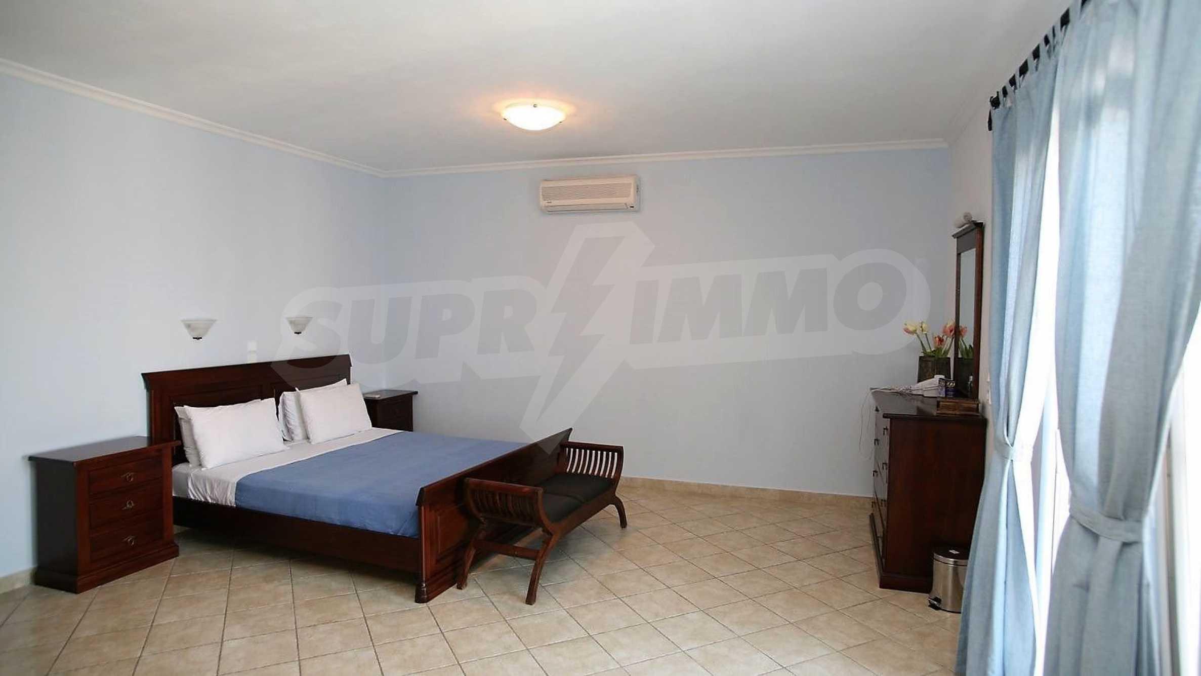 Превъзходна резиденция с достъп до девствен залив, остров Корфу 10