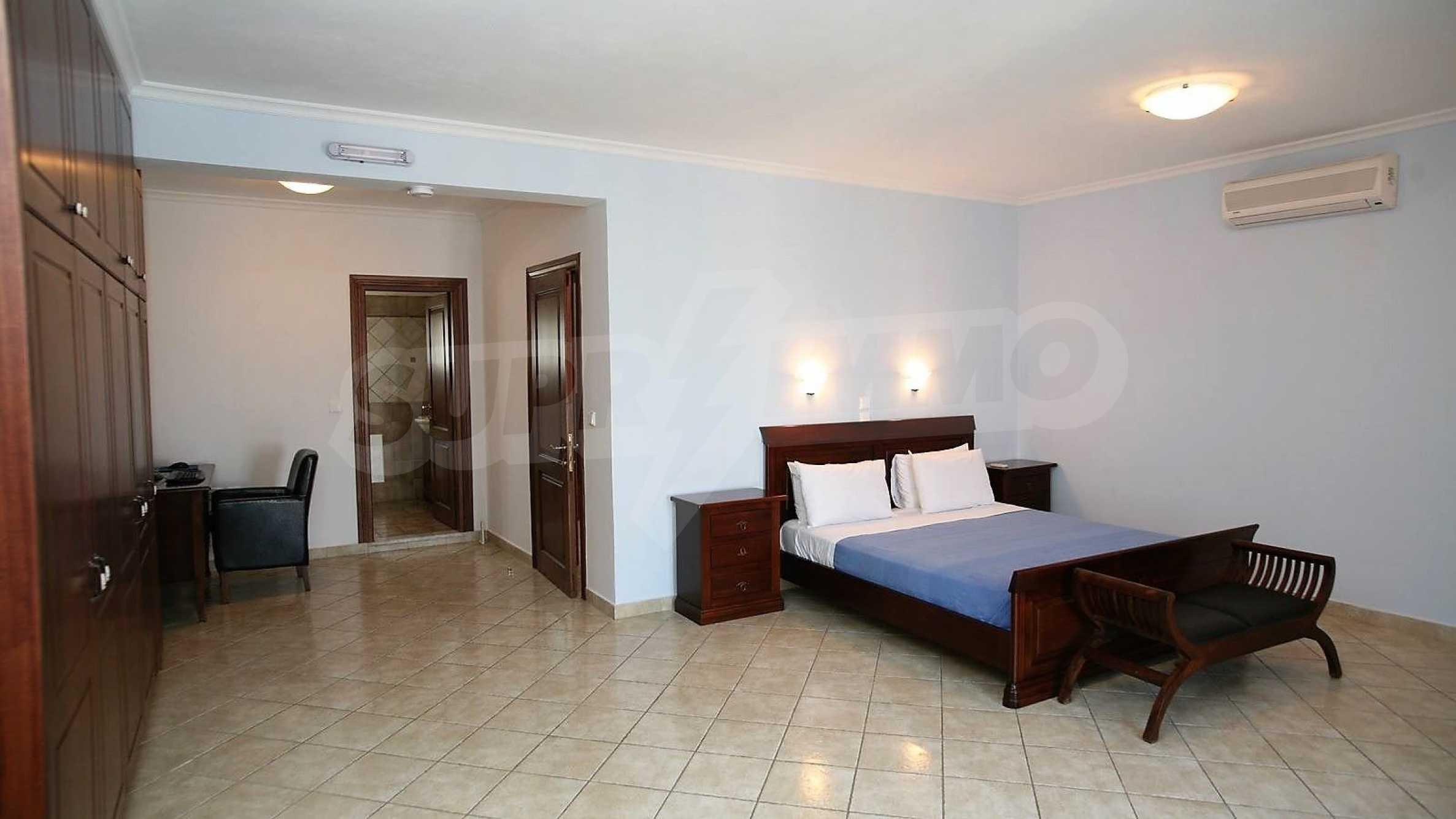 Превъзходна резиденция с достъп до девствен залив, остров Корфу 11