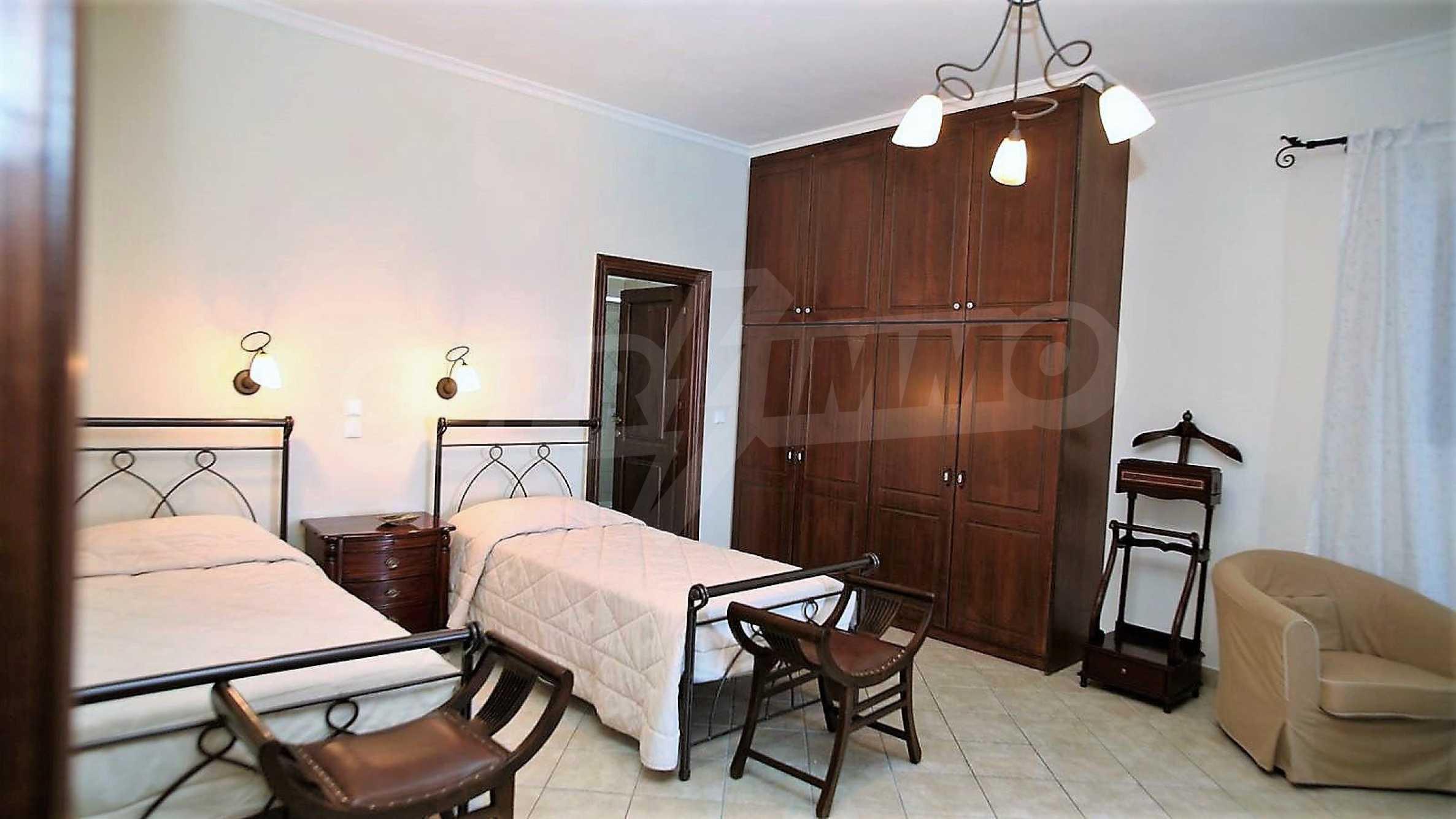 Превъзходна резиденция с достъп до девствен залив, остров Корфу 12