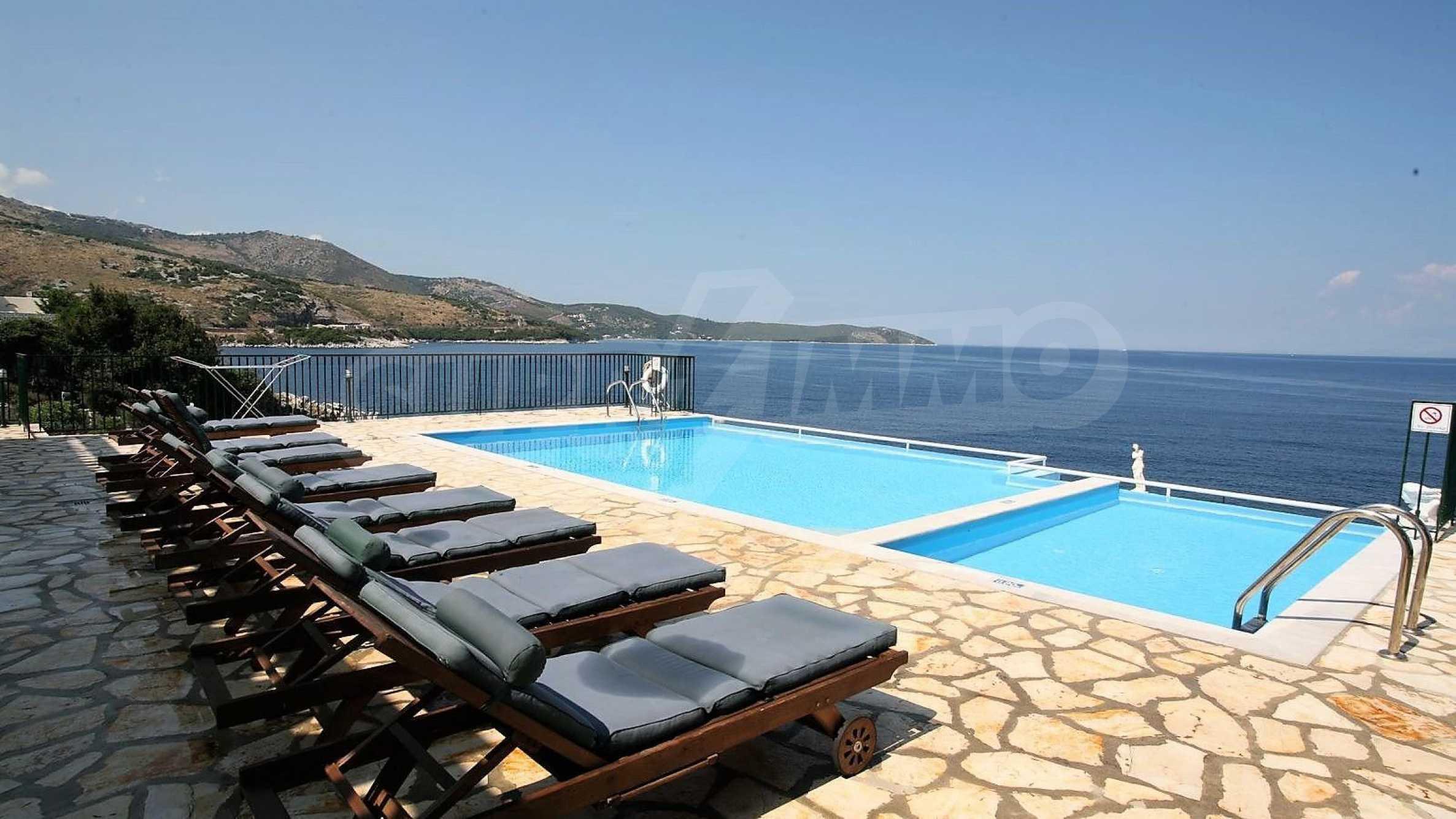 Превъзходна резиденция с достъп до девствен залив, остров Корфу 2
