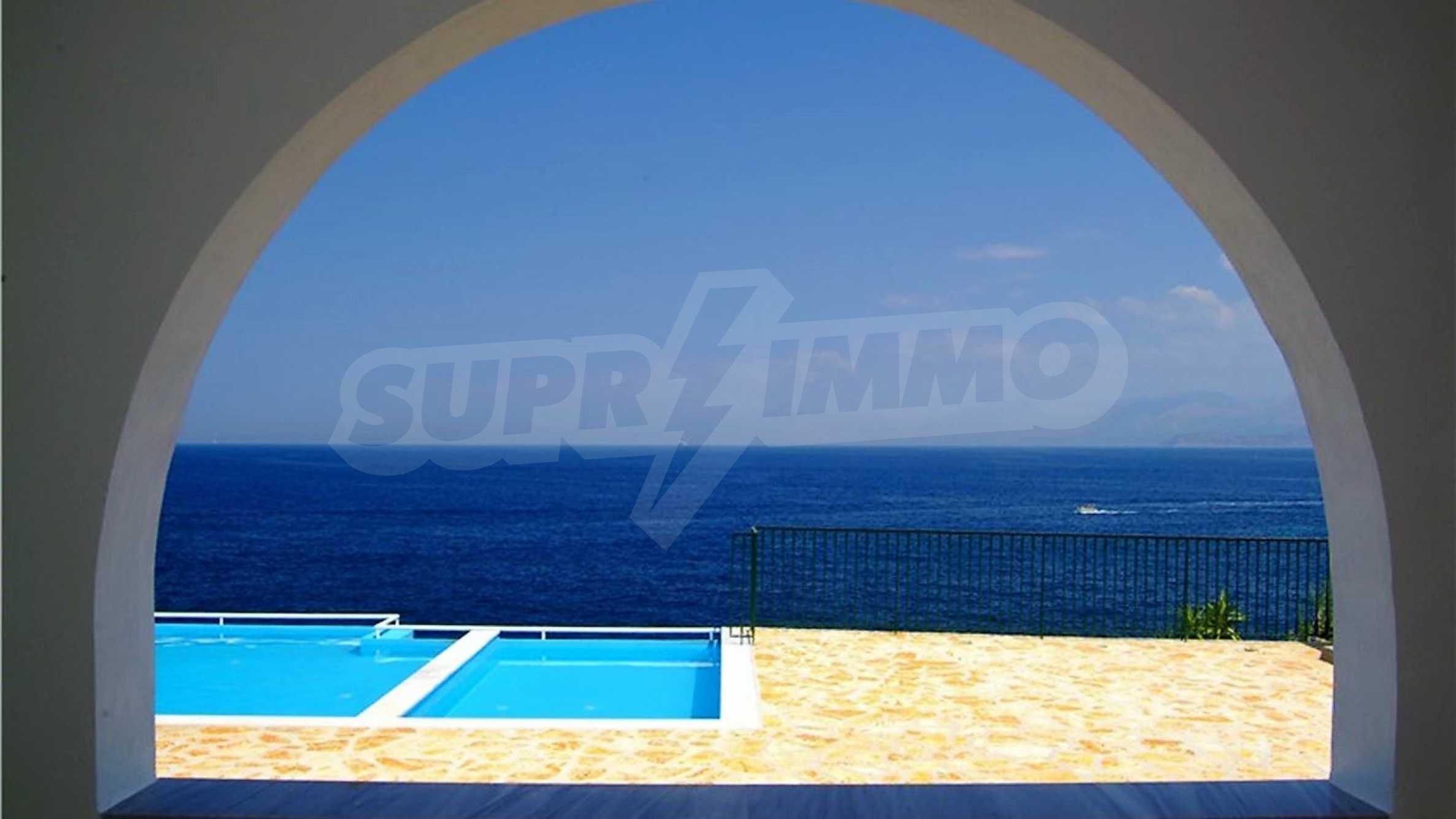 Превъзходна резиденция с достъп до девствен залив, остров Корфу 3