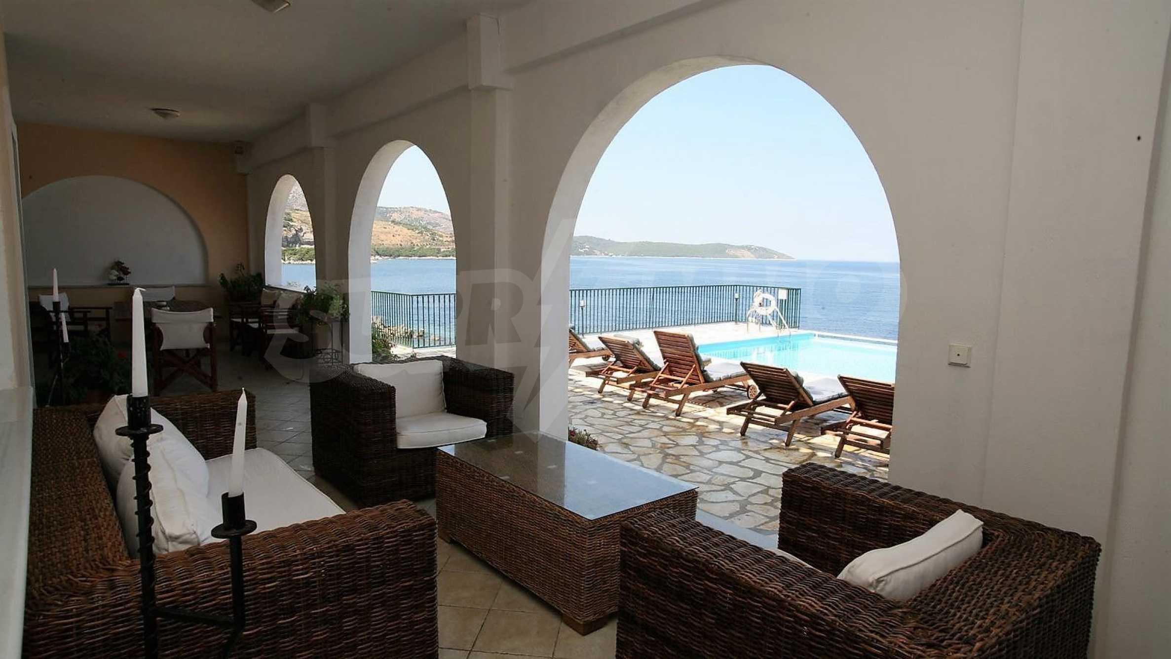 Превъзходна резиденция с достъп до девствен залив, остров Корфу 4