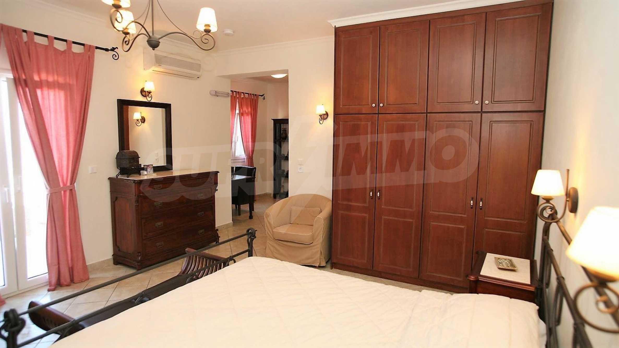 Превъзходна резиденция с достъп до девствен залив, остров Корфу 8