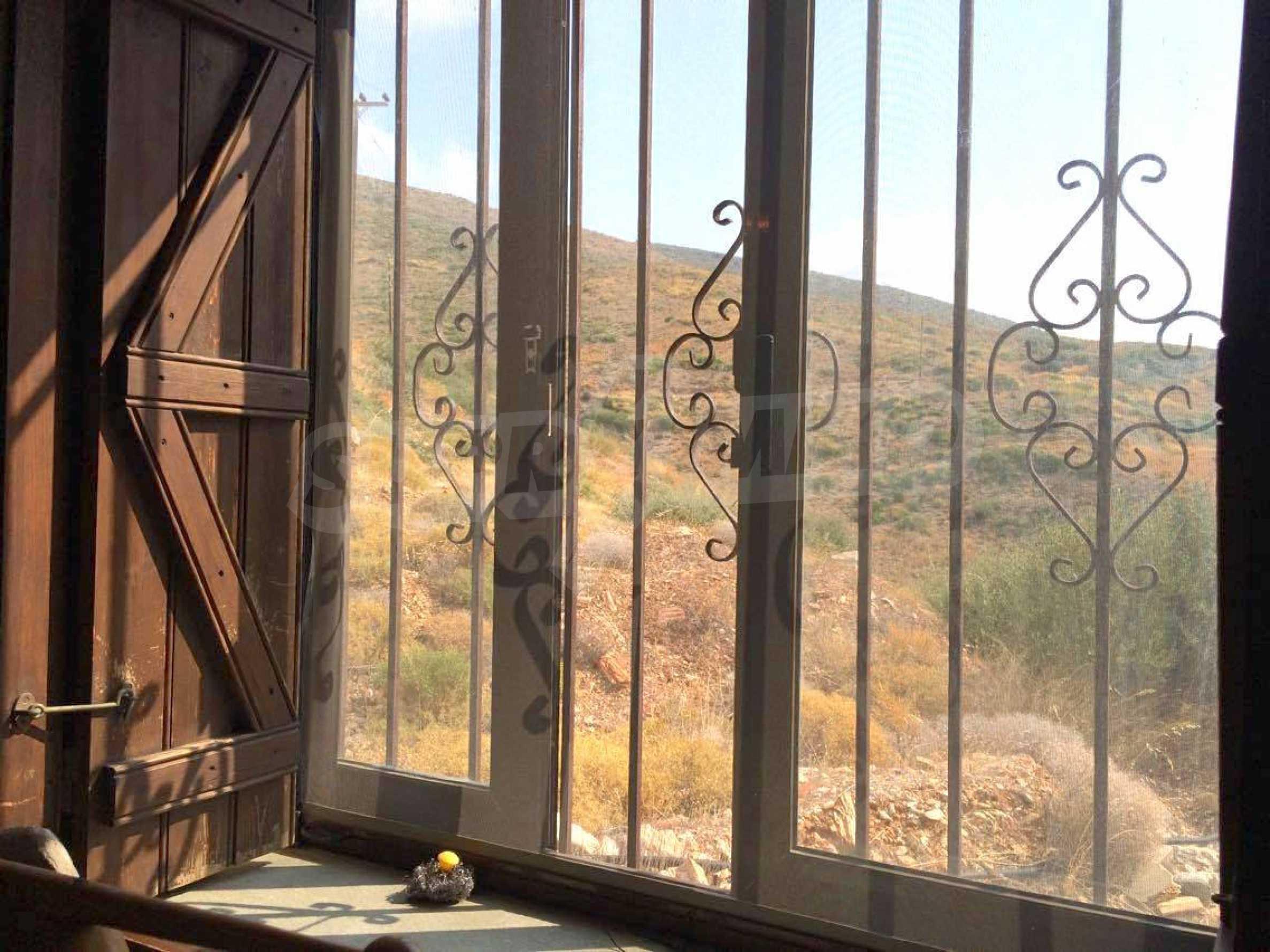 Прекрасен имот близо до Мармари, о.Евия 10
