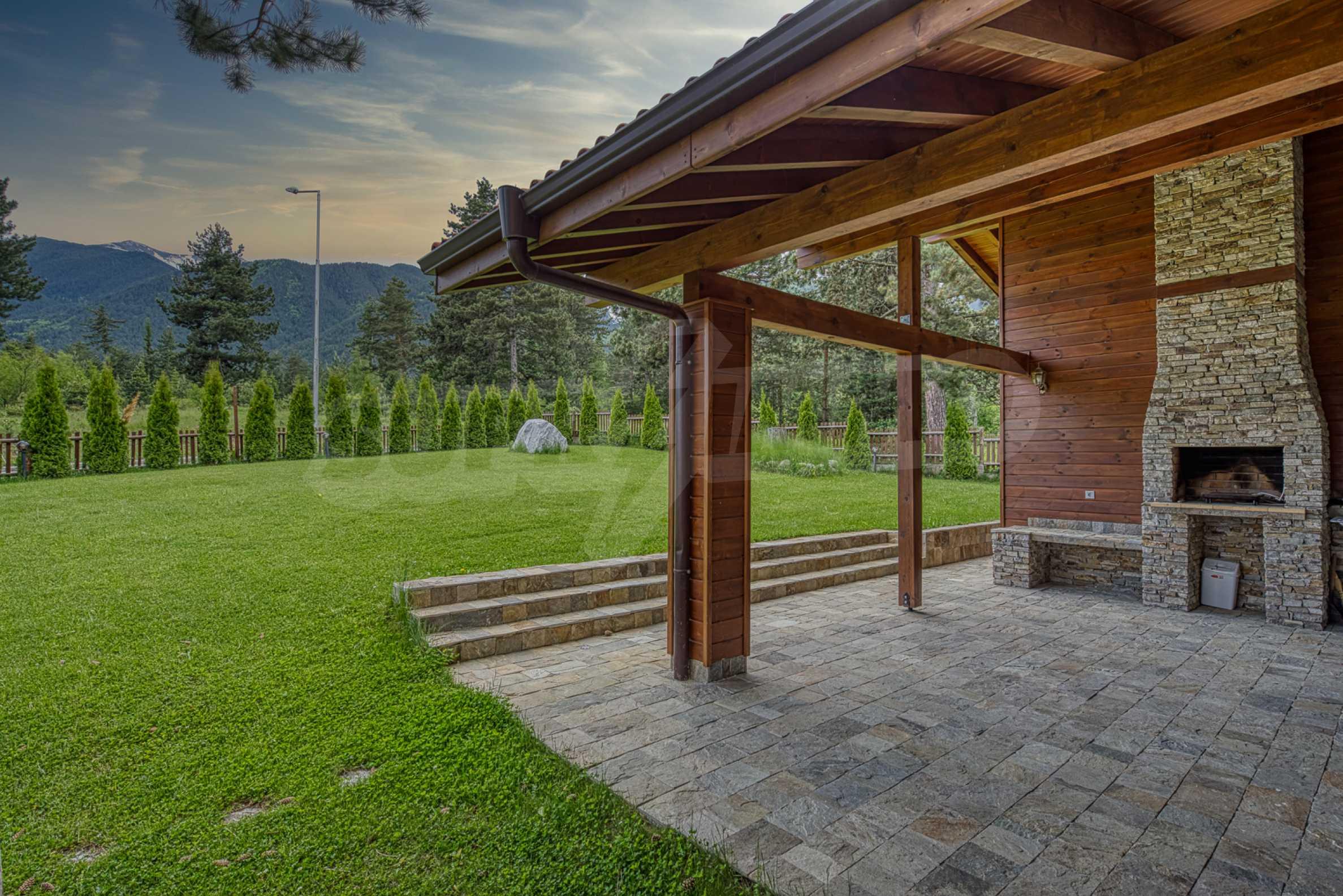 Вилна къща в близост до голф игрище и ски курорт Банско 1