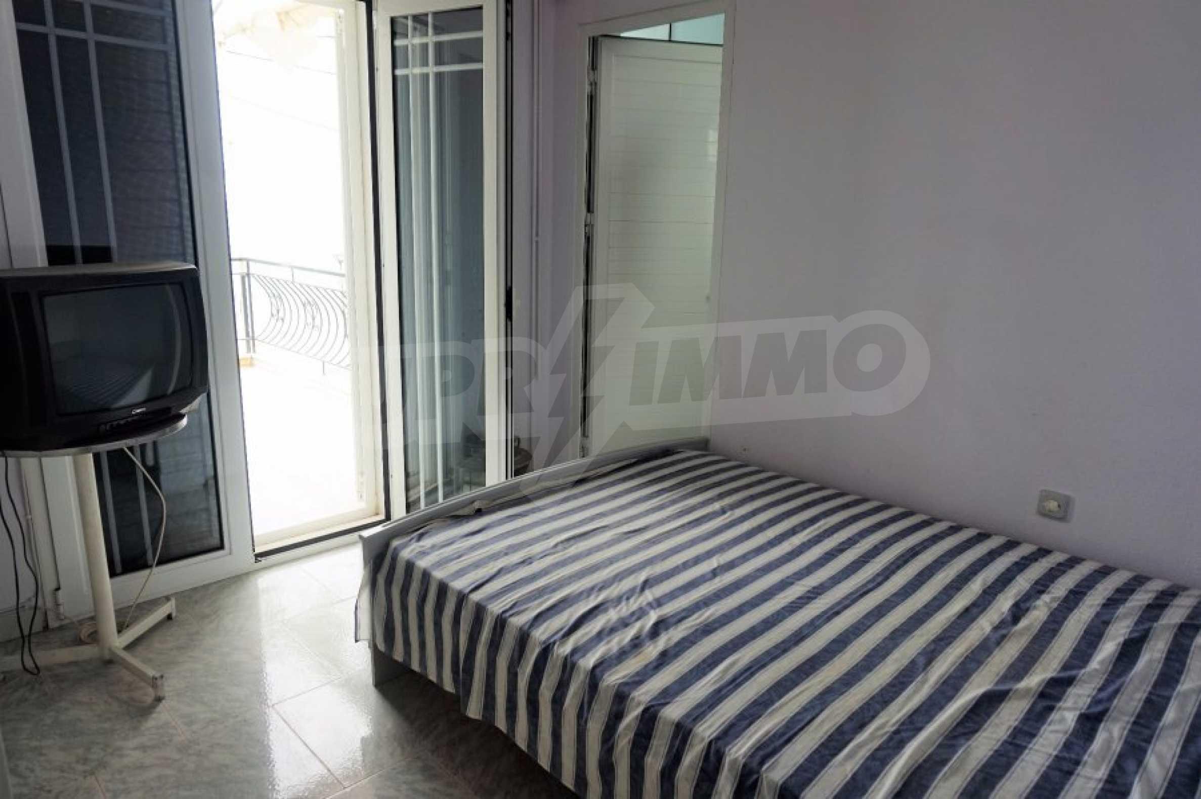Апартамент с две спални на метри от плажа в Паралия Офринио, Кавала 10