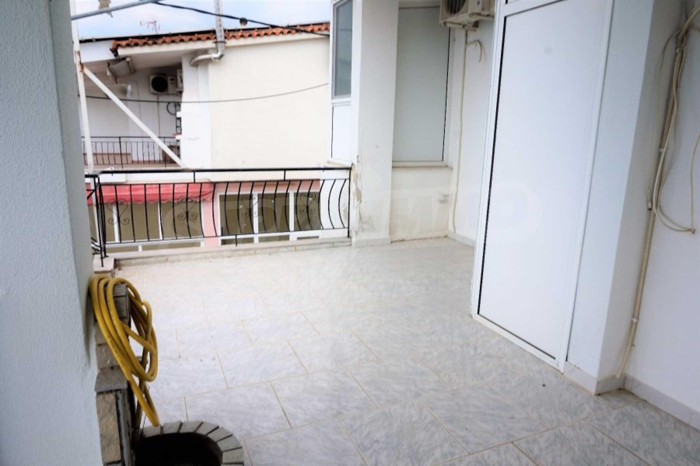 Апартамент с две спални на метри от плажа в Паралия Офринио, Кавала 16