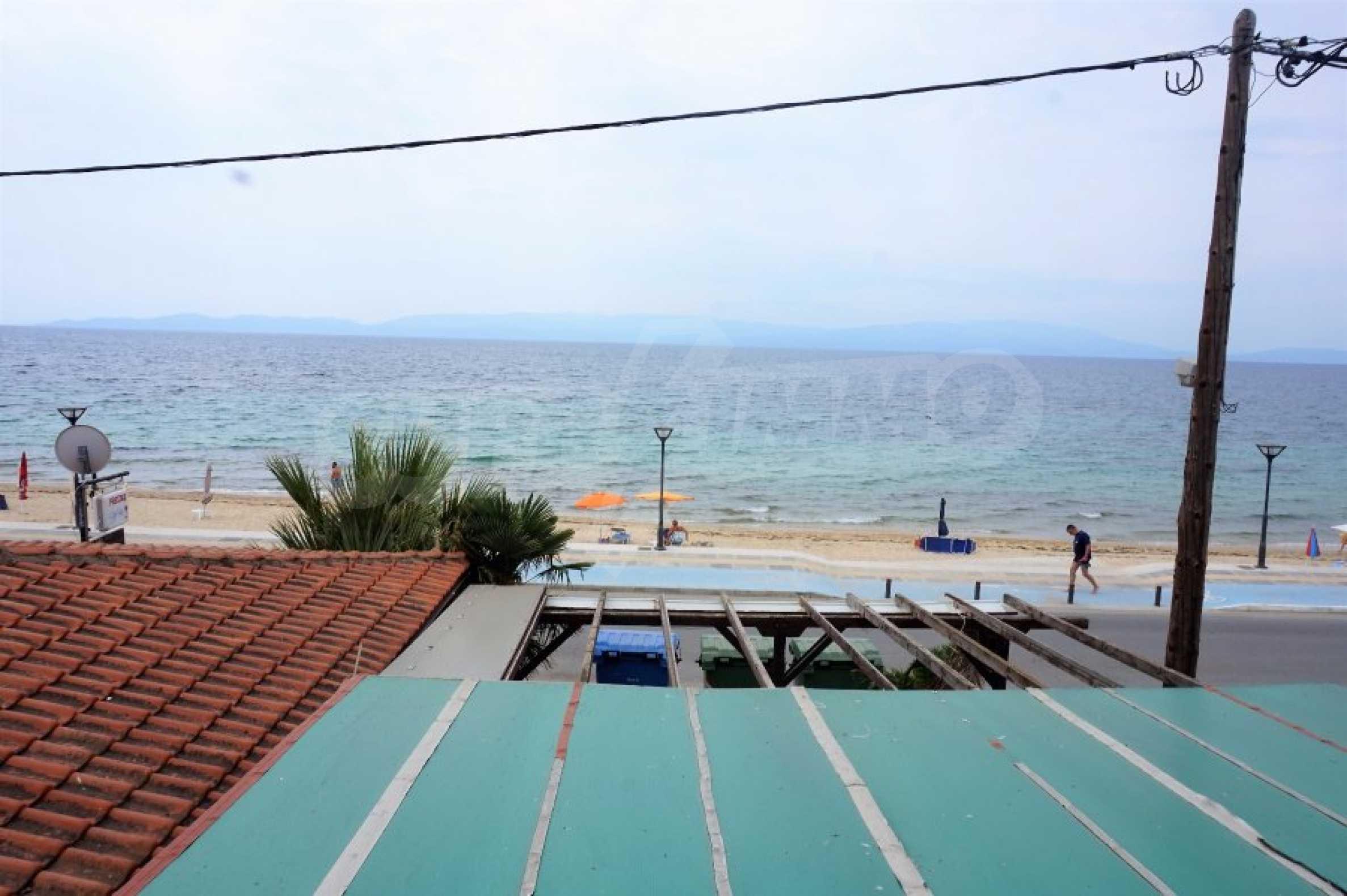 Апартамент с две спални на метри от плажа в Паралия Офринио, Кавала 17