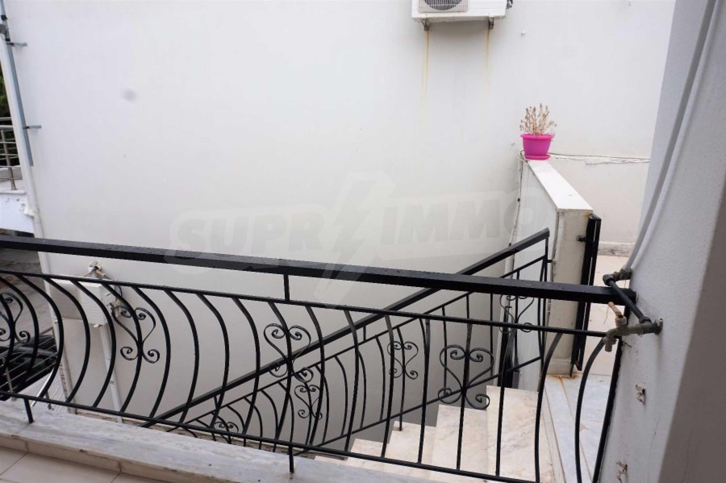 Апартамент с две спални на метри от плажа в Паралия Офринио, Кавала 19
