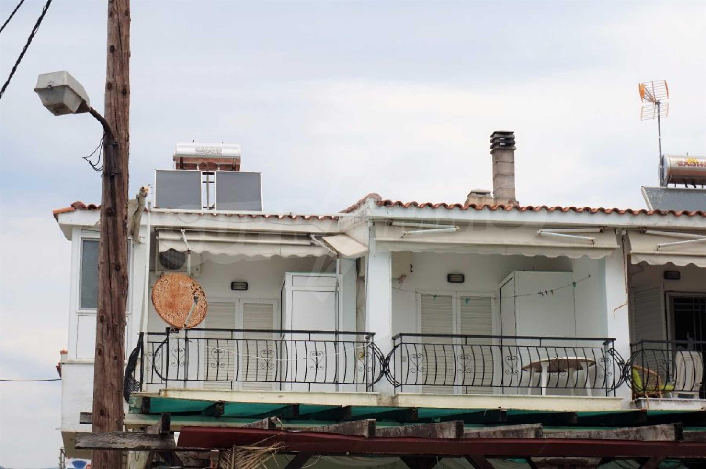 Апартамент с две спални на метри от плажа в Паралия Офринио, Кавала 3
