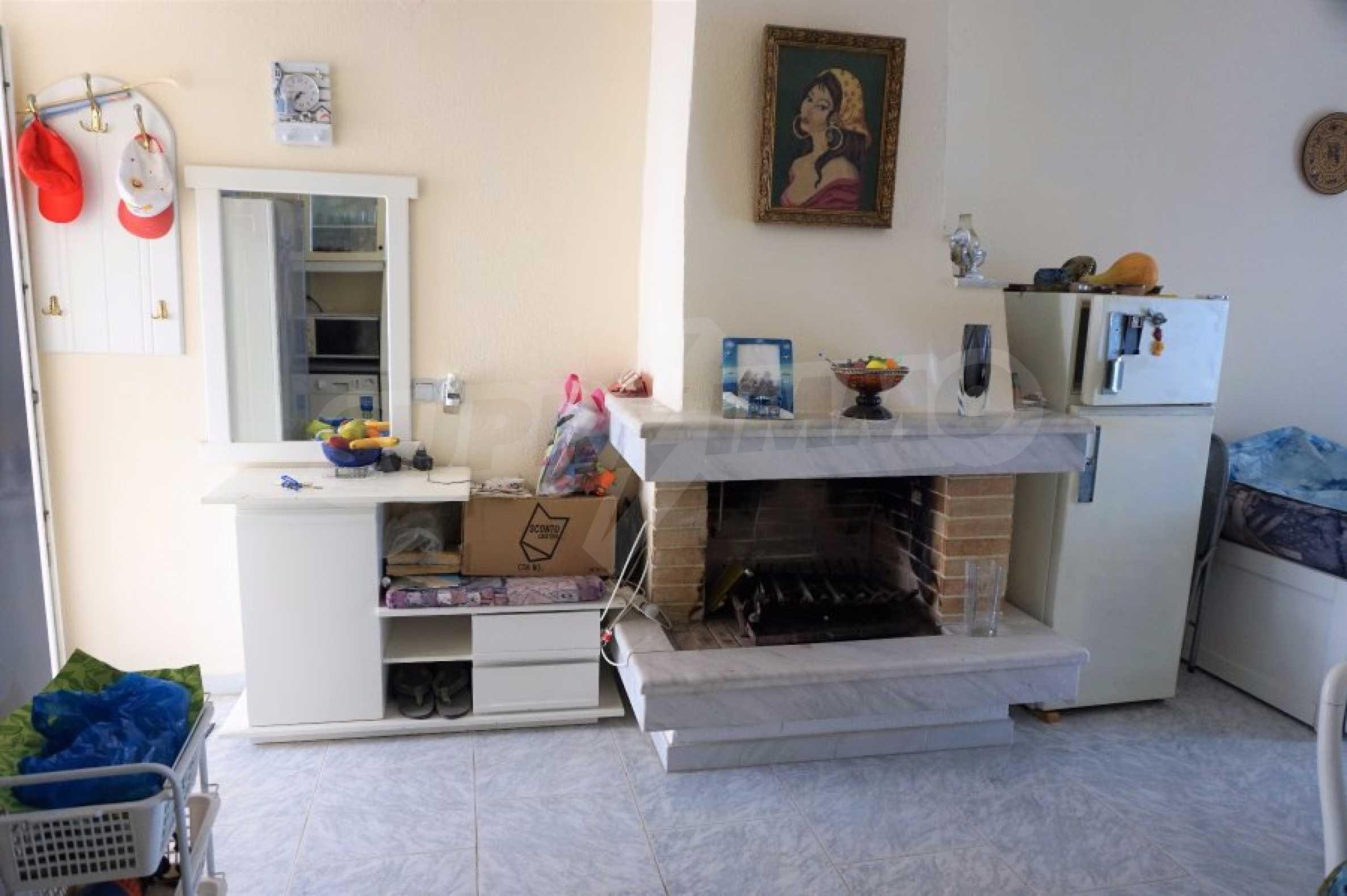 Апартамент с две спални на метри от плажа в Паралия Офринио, Кавала 4