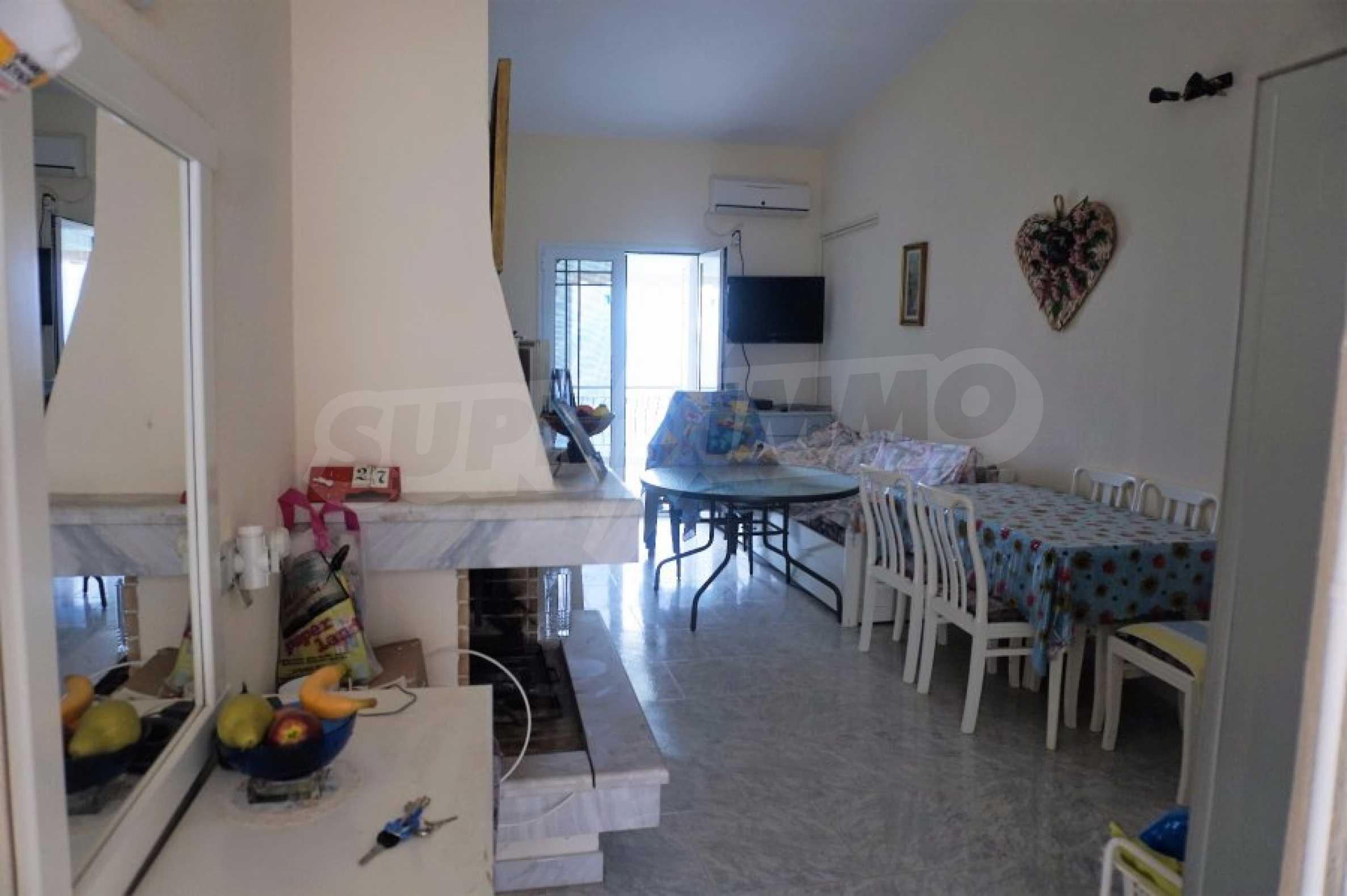 Апартамент с две спални на метри от плажа в Паралия Офринио, Кавала 5