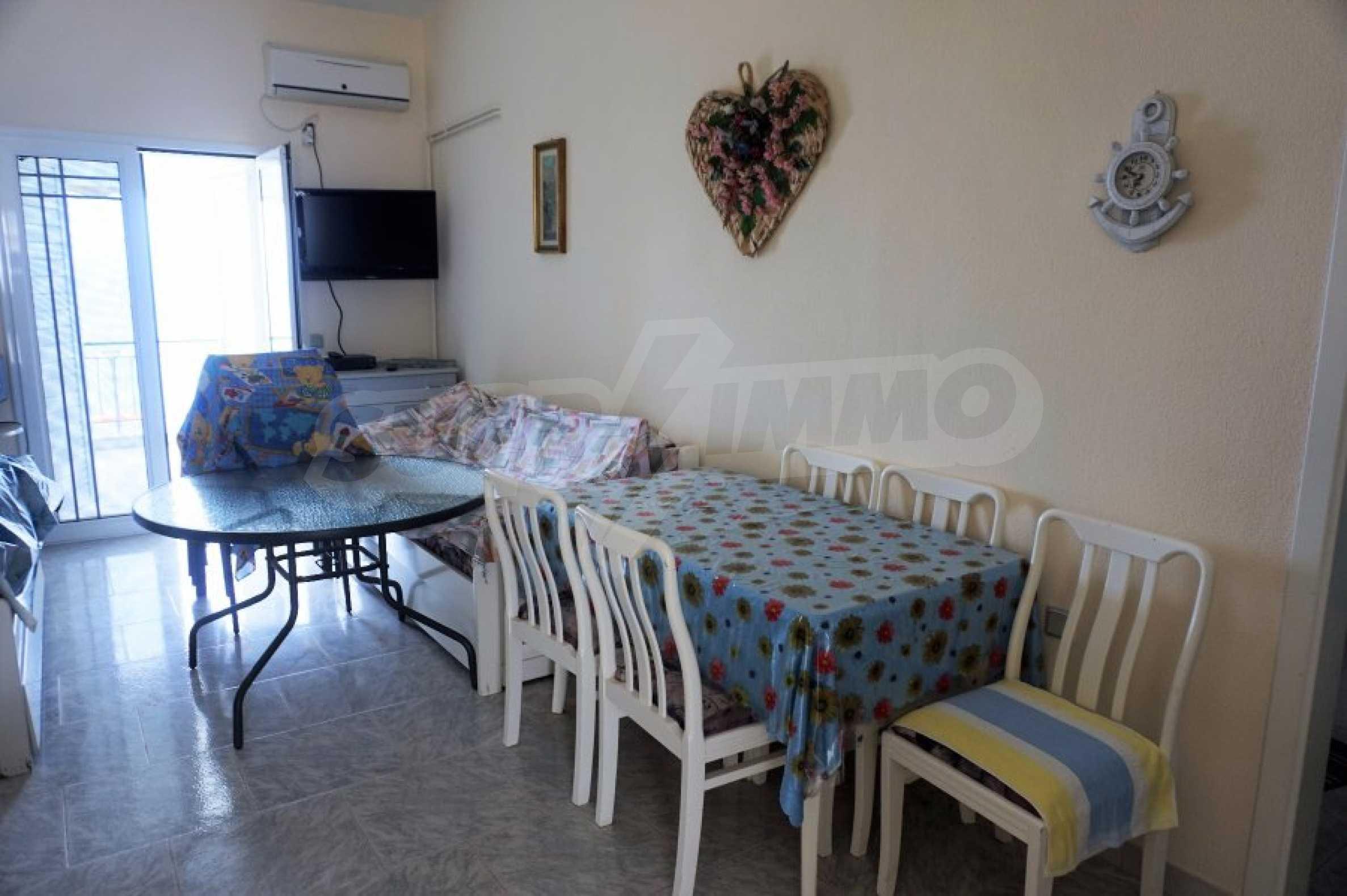 Апартамент с две спални на метри от плажа в Паралия Офринио, Кавала 6