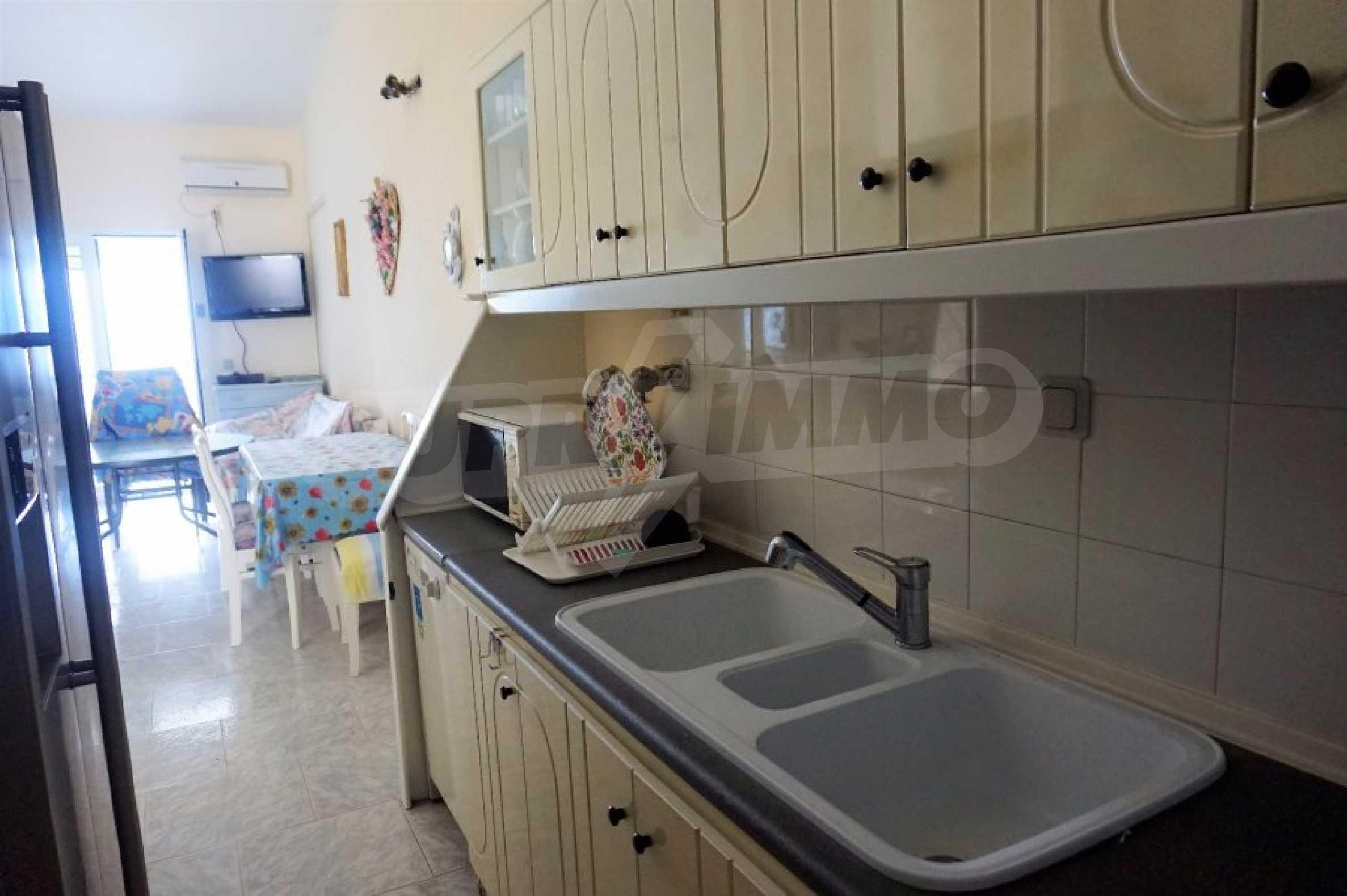 Апартамент с две спални на метри от плажа в Паралия Офринио, Кавала 8