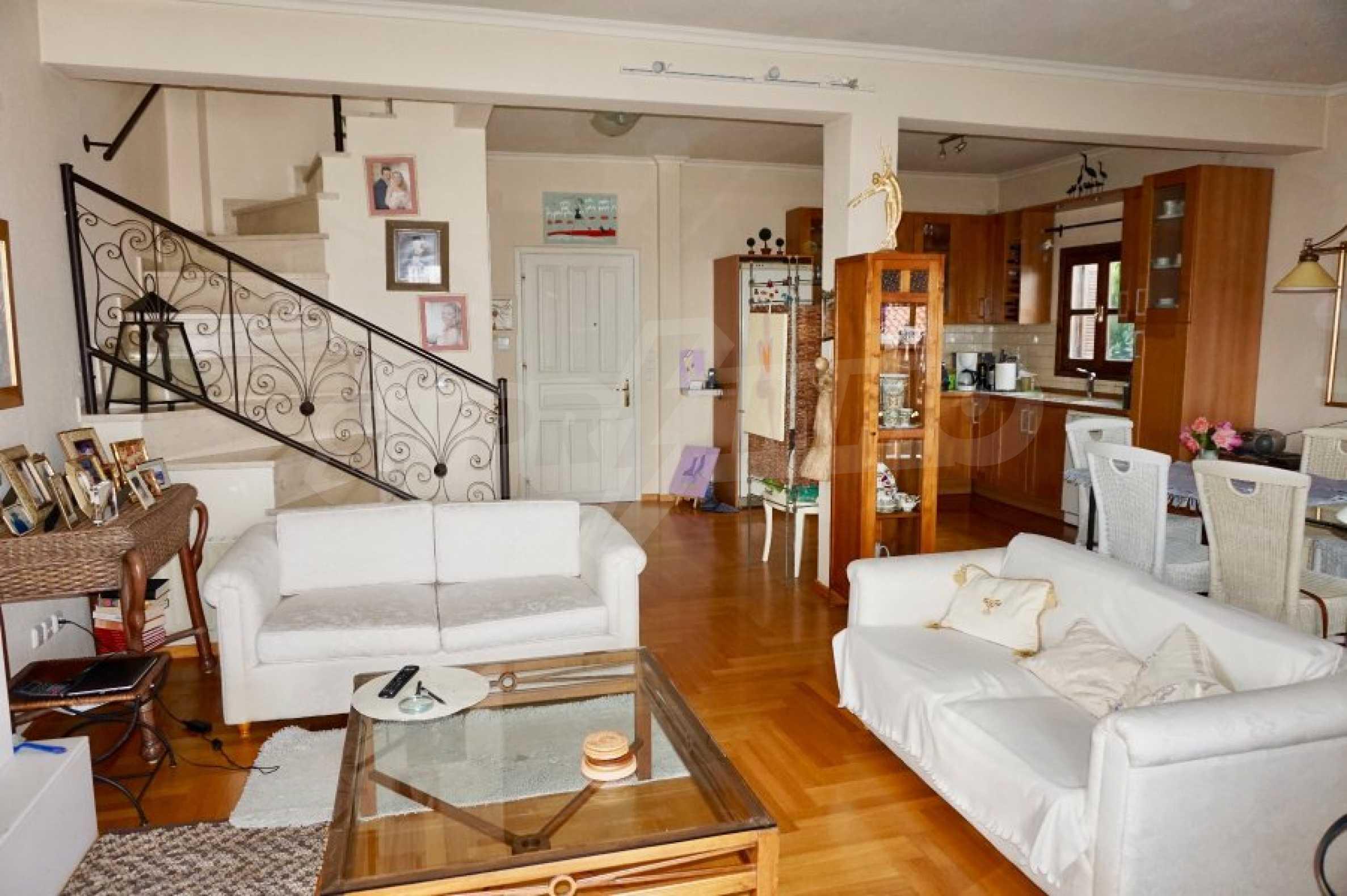 Обзаведена къща с три спални в Палио, Кавала 8