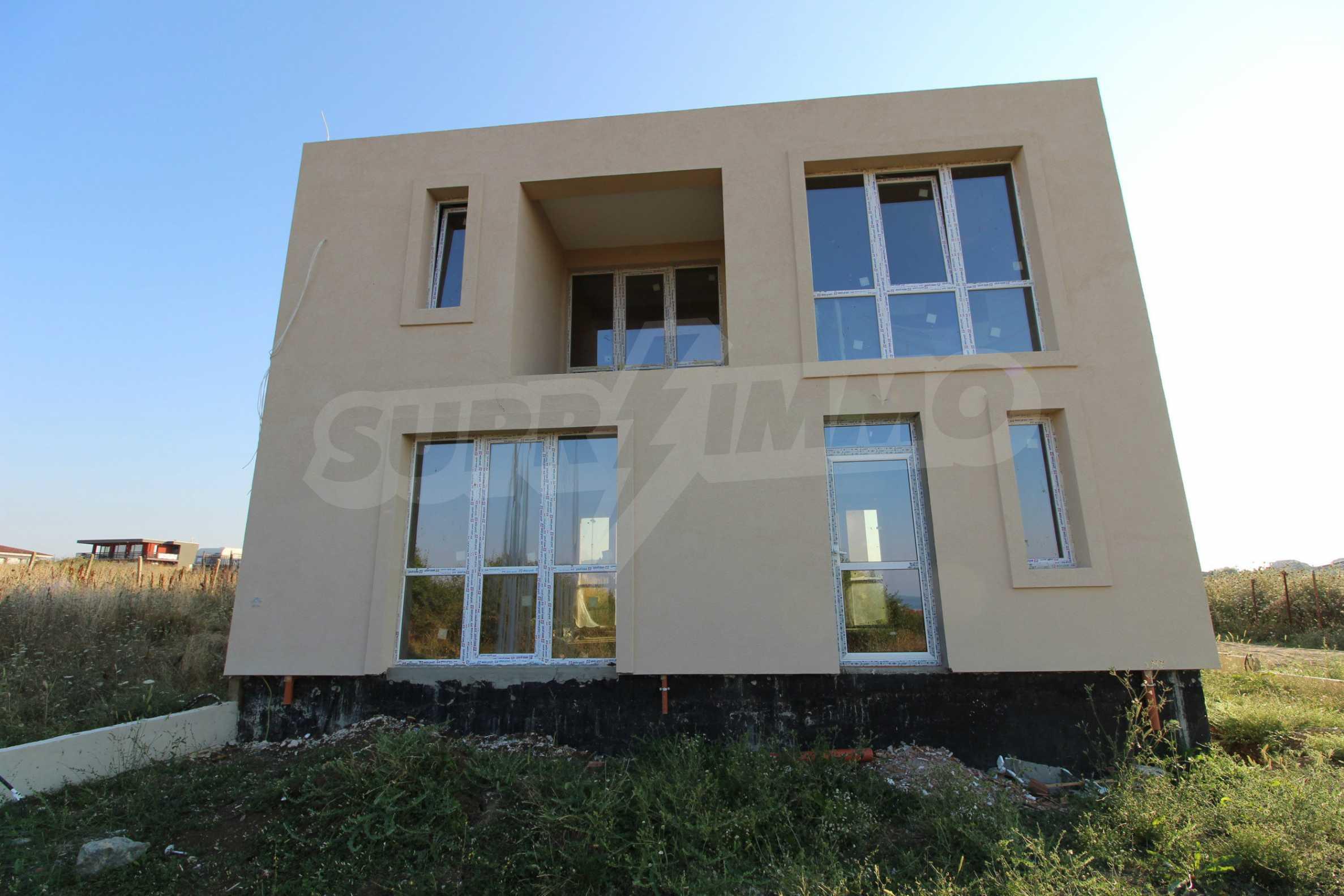 Къща в минималистичен стил, с. Лозенец