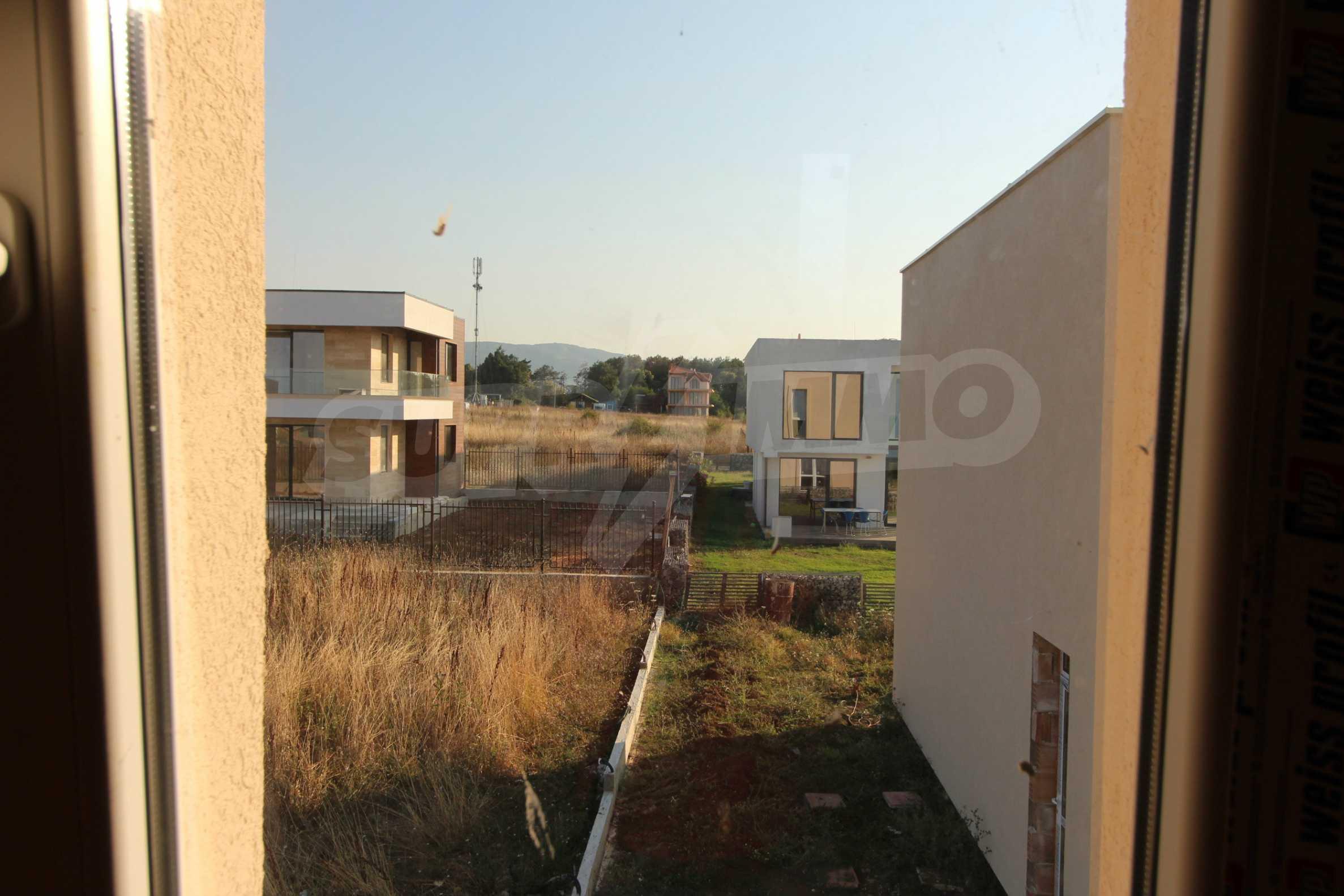 Къща в минималистичен стил, с. Лозенец 7