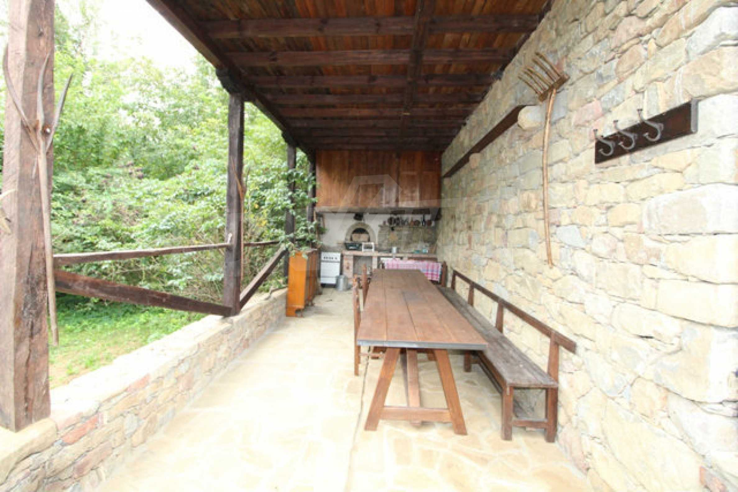 Работеща уютна къща за гости, с арт център и и възможност за бизнес 9