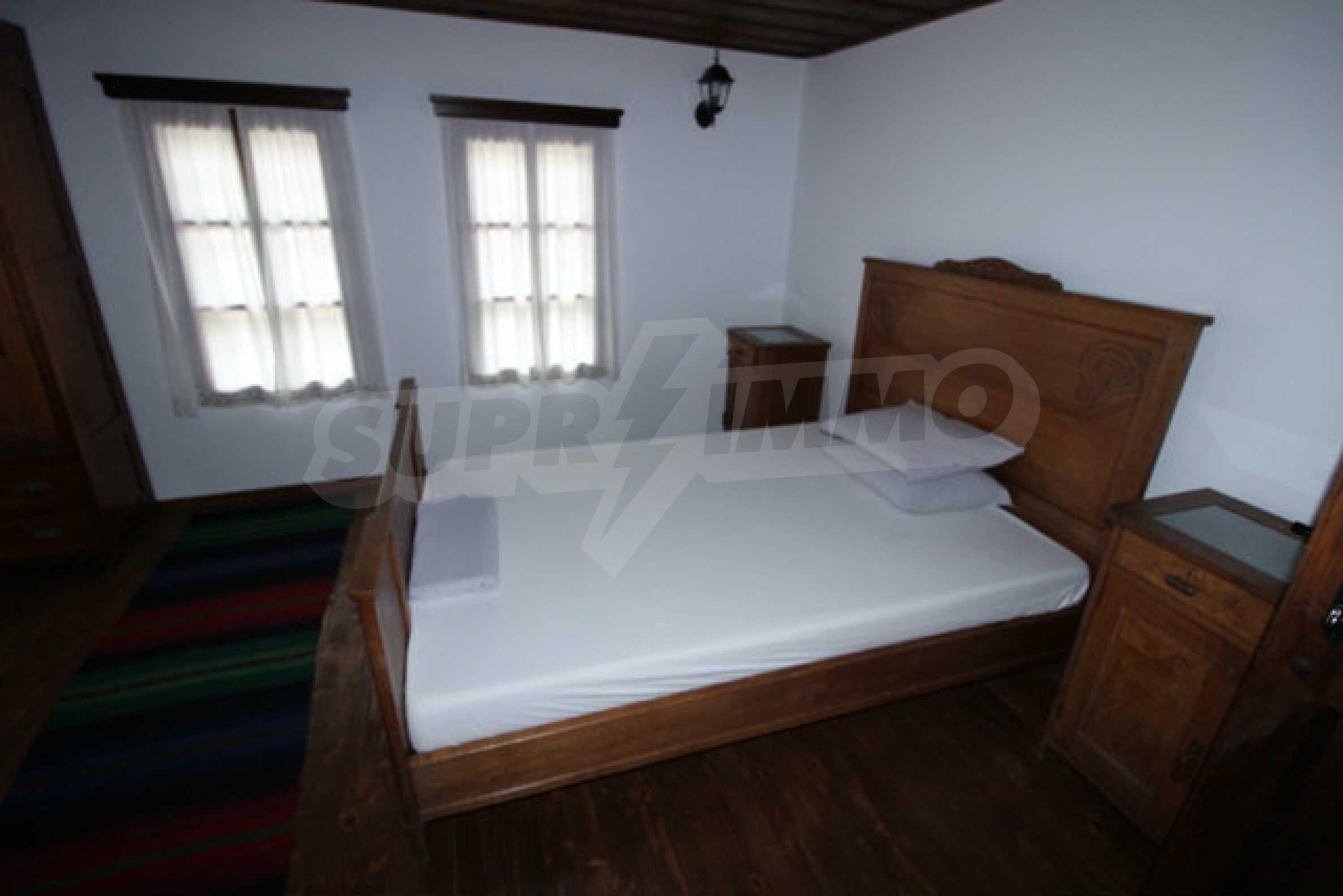 Работеща уютна къща за гости, с арт център и и възможност за бизнес 29