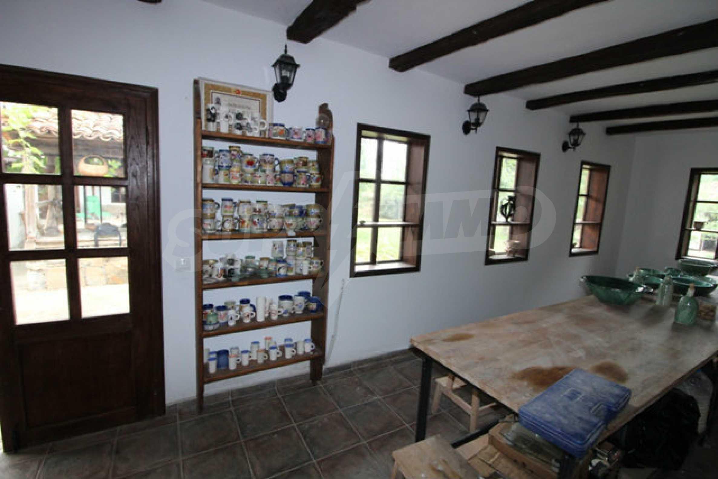Работеща уютна къща за гости, с арт център и и възможност за бизнес 40