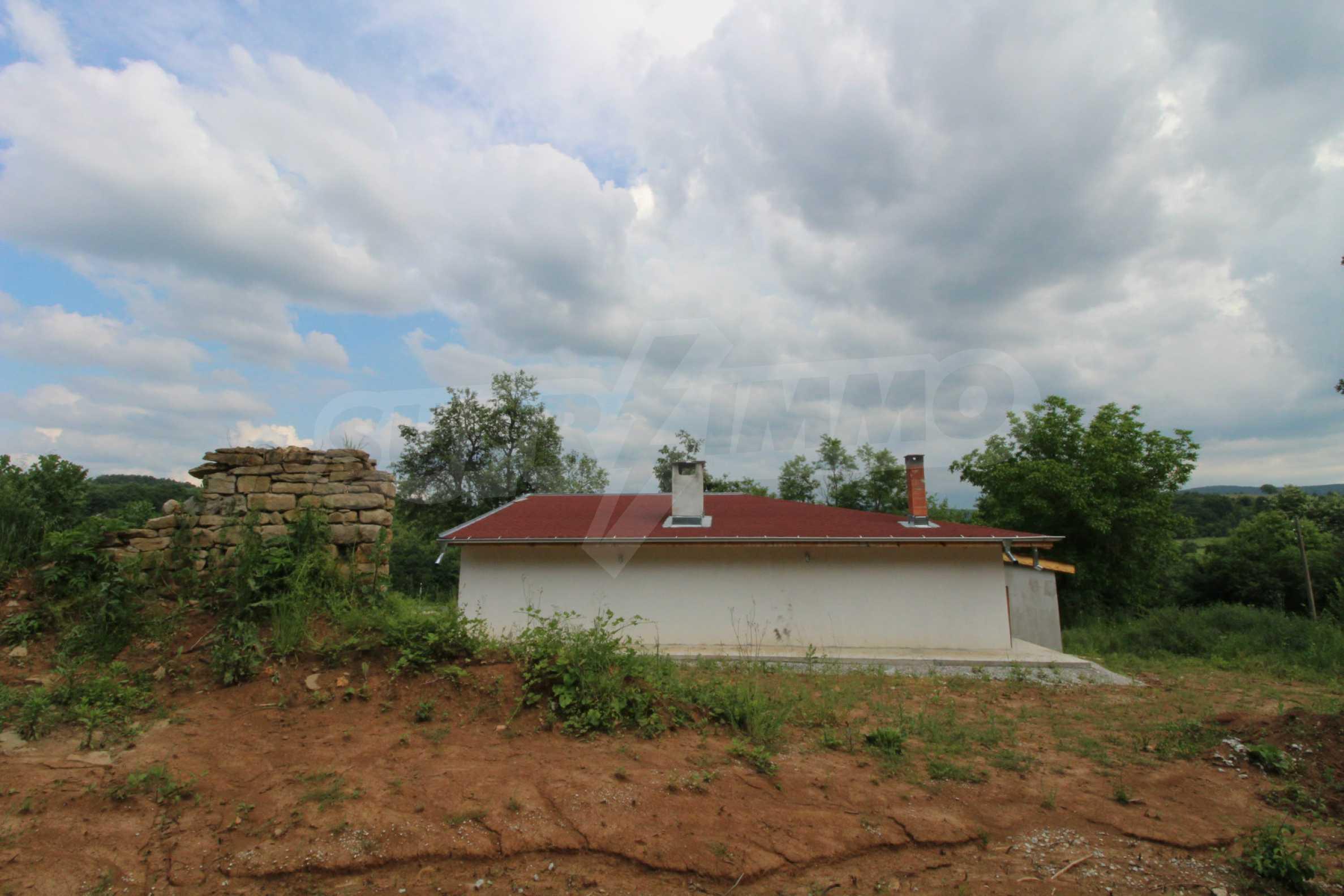 Планинско имение с басейн и  барбекю, с потенциал за развитие на бизнес  45