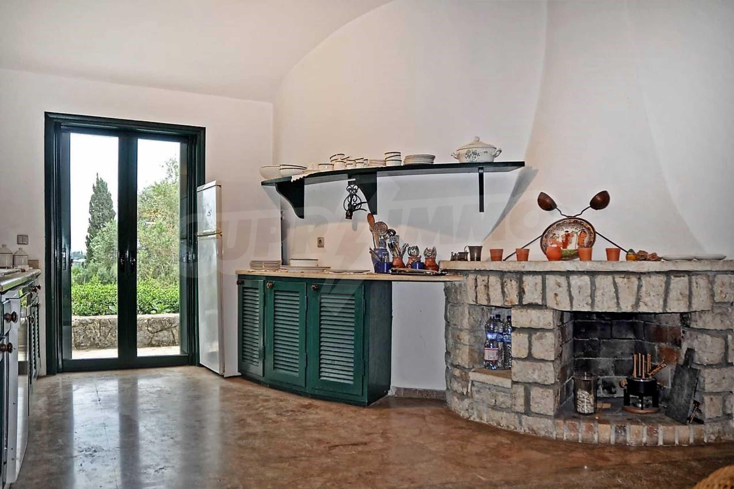 Изключително имение, сливащо се с природата на остров Корфу 12