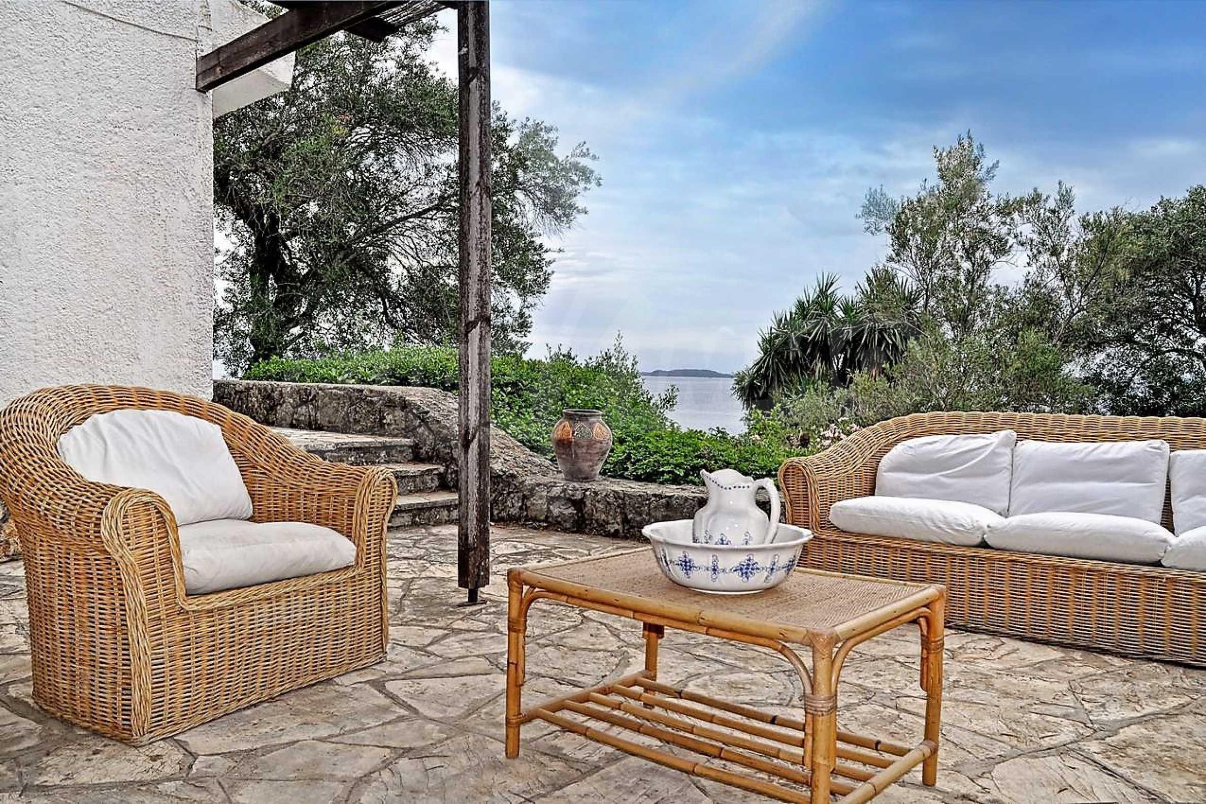 Изключително имение, сливащо се с природата на остров Корфу 13
