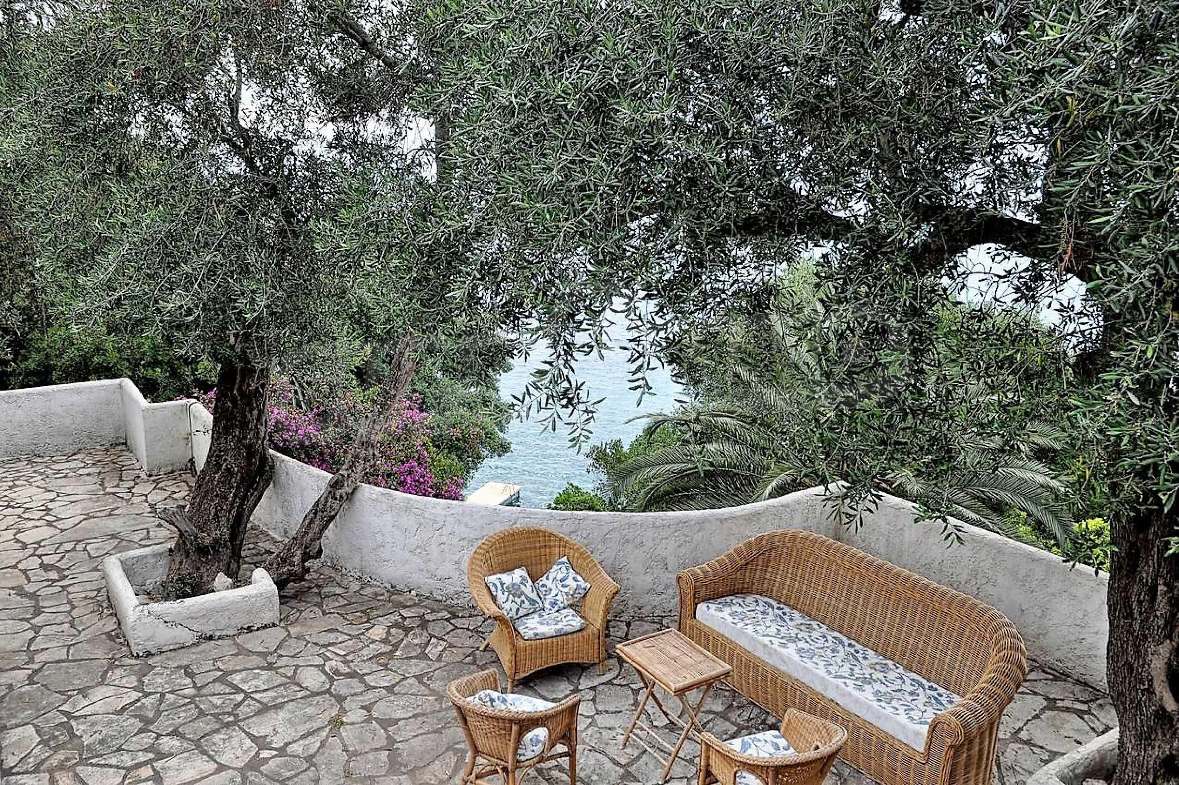 Изключително имение, сливащо се с природата на остров Корфу 27