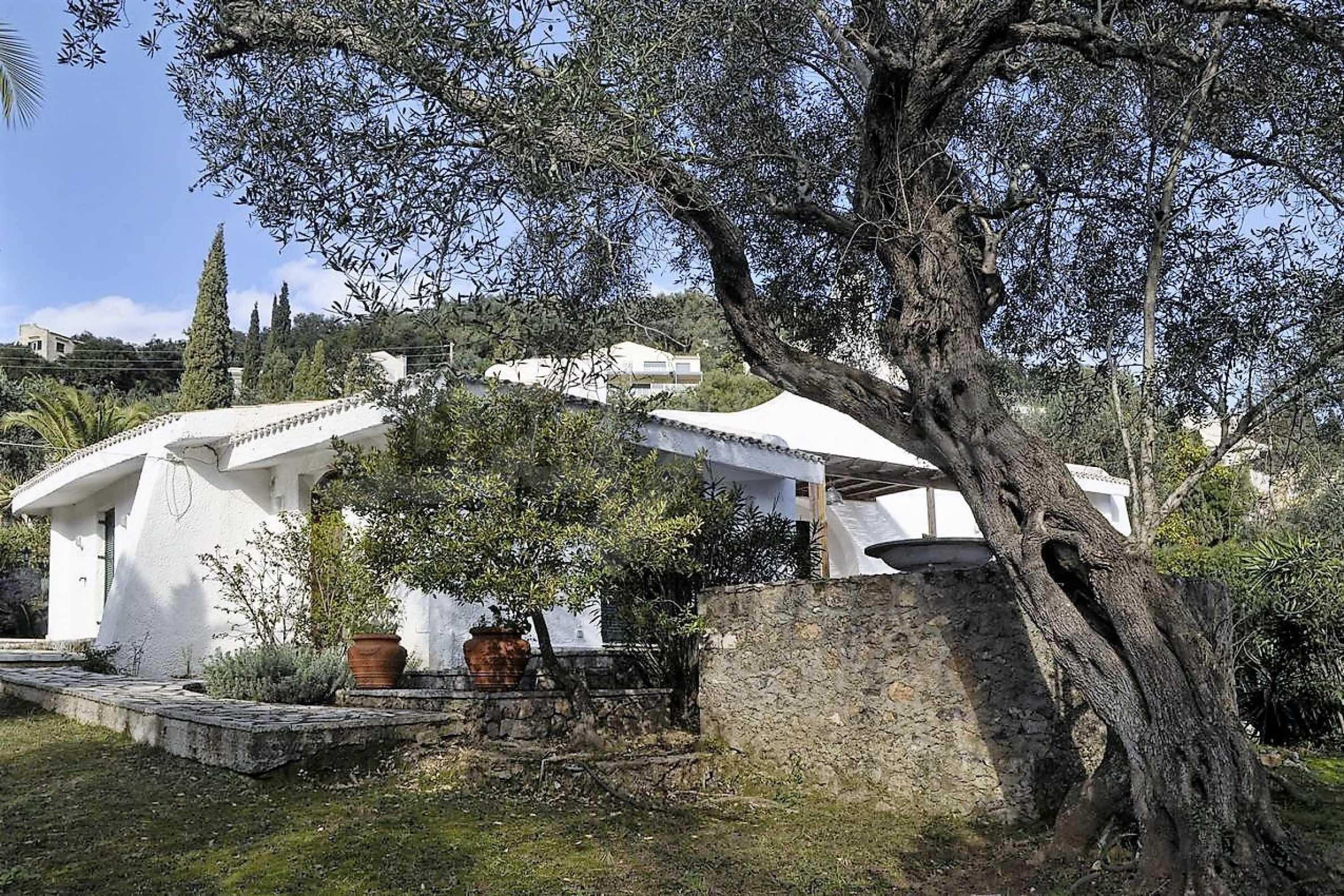 Изключително имение, сливащо се с природата на остров Корфу 2
