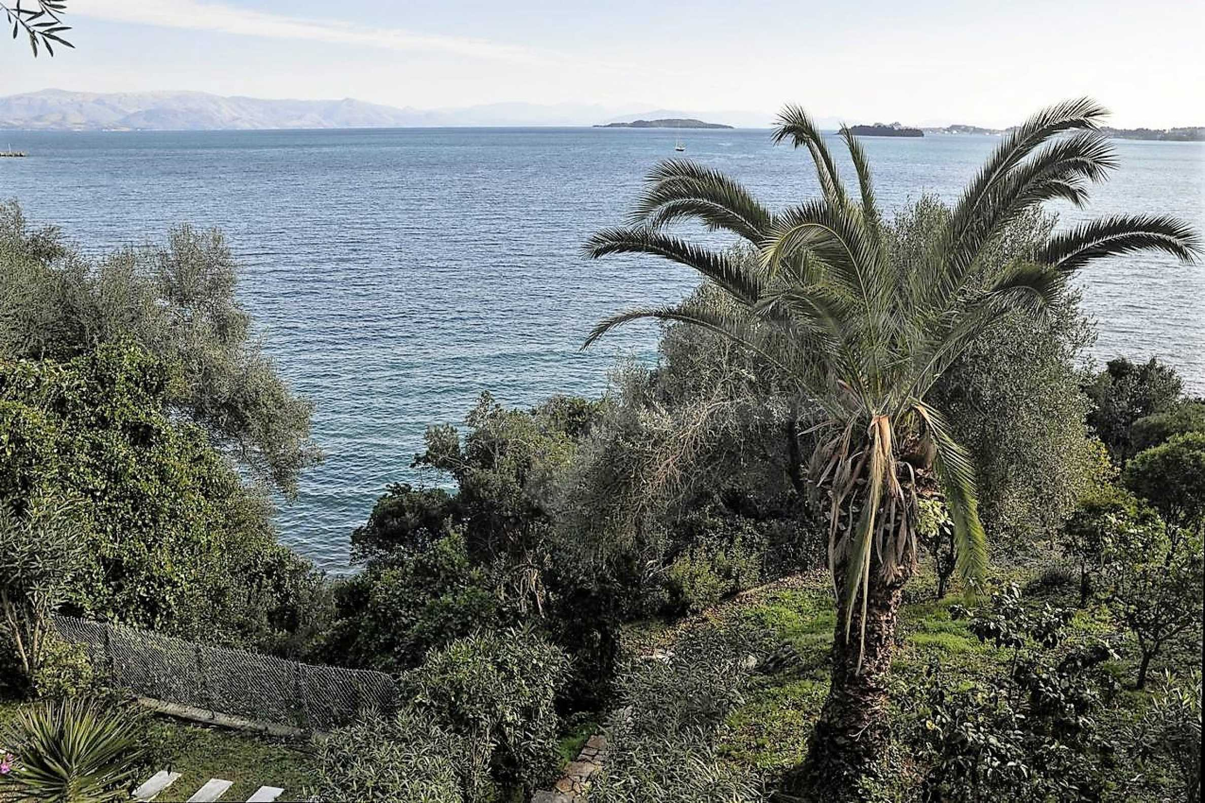 Изключително имение, сливащо се с природата на остров Корфу 34