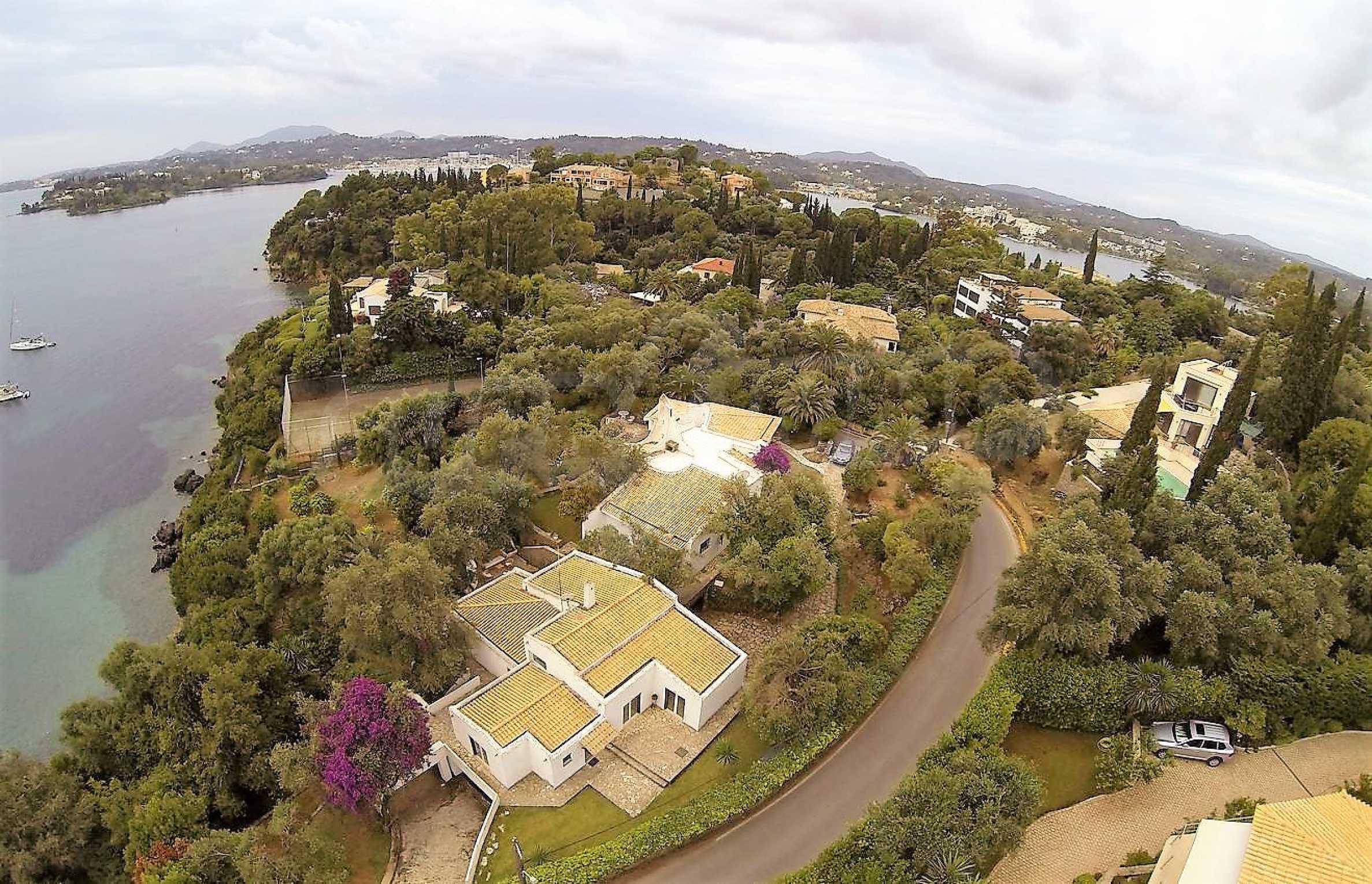 Изключително имение, сливащо се с природата на остров Корфу 35