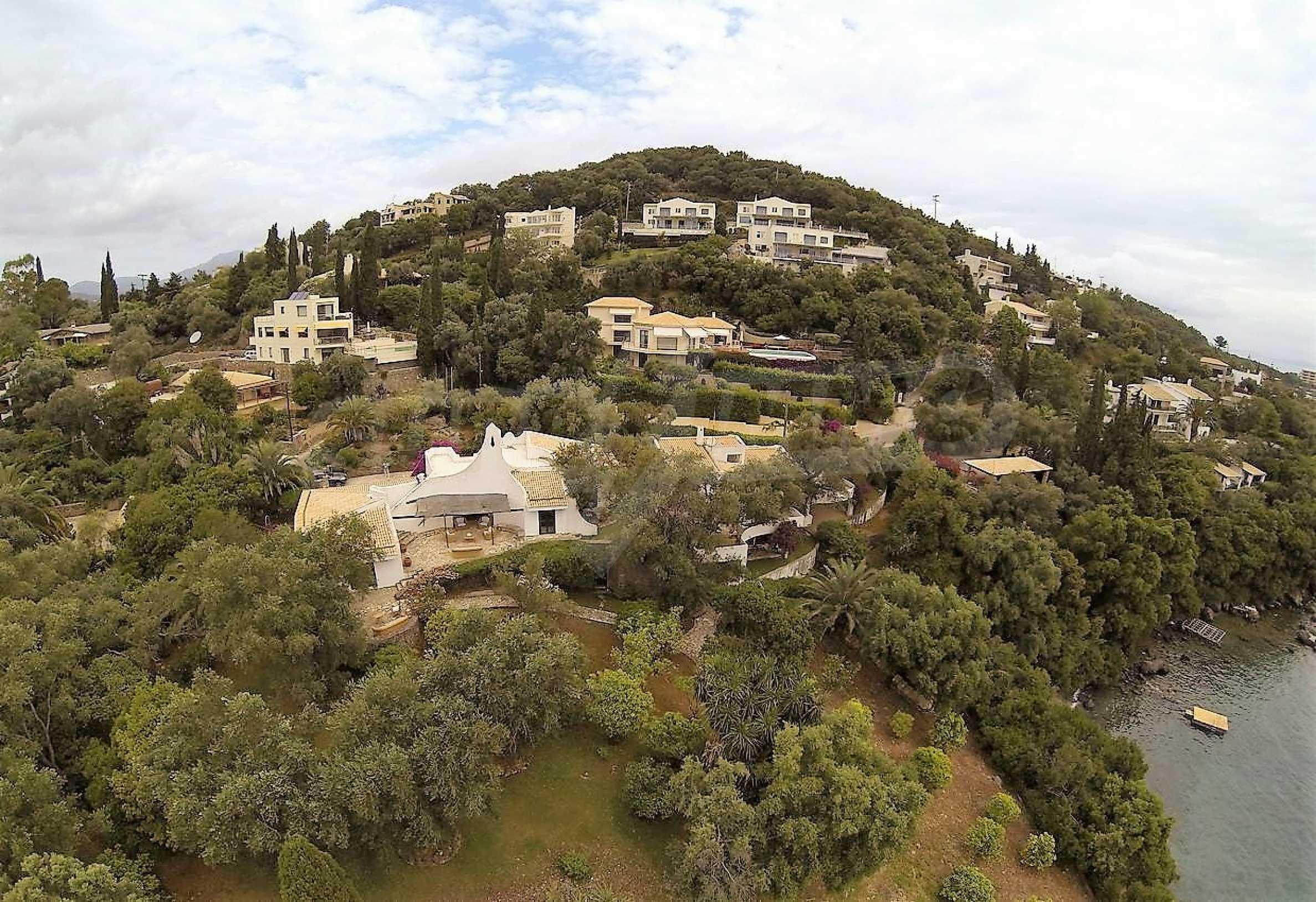 Изключително имение, сливащо се с природата на остров Корфу 36