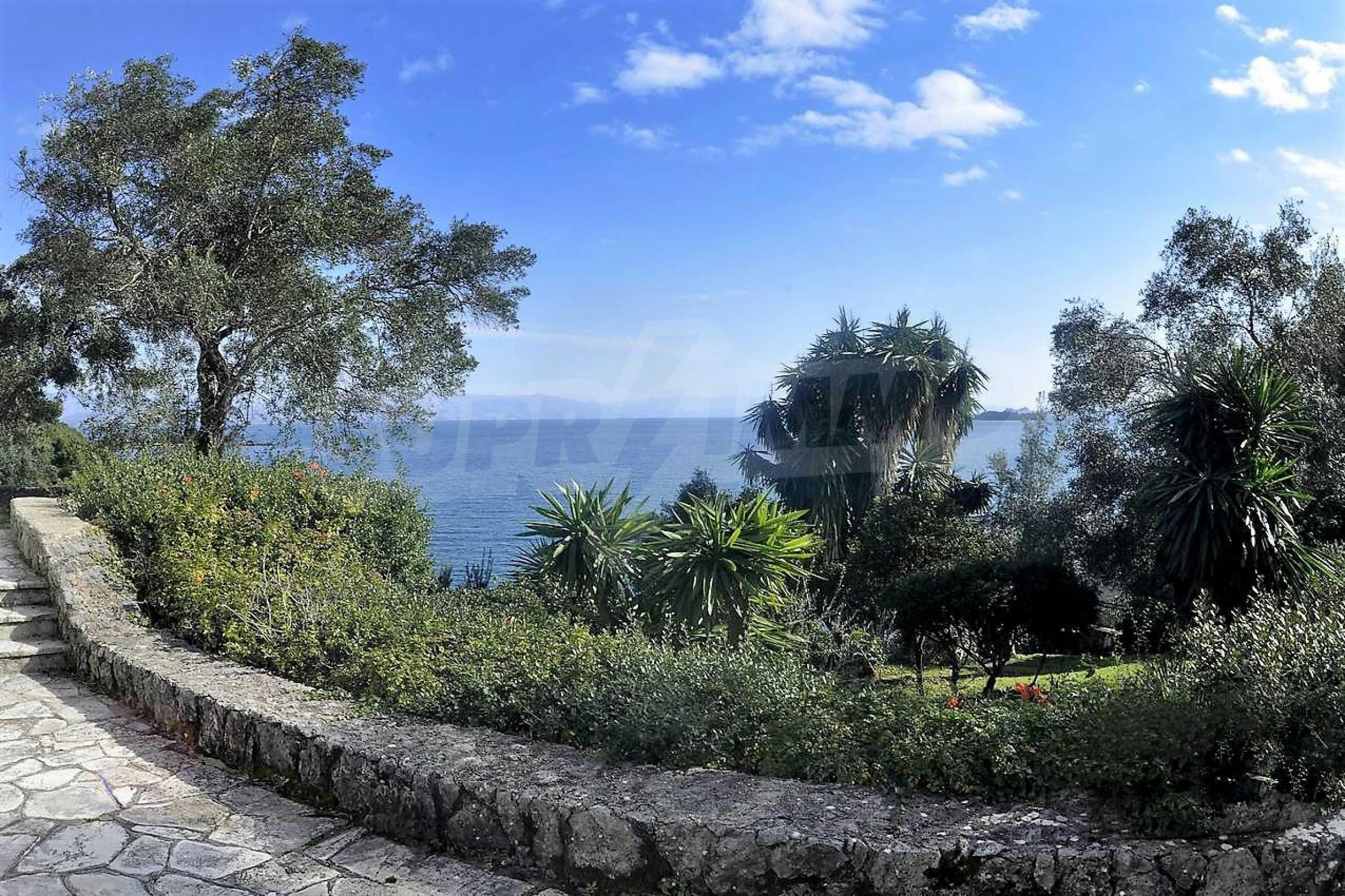 Изключително имение, сливащо се с природата на остров Корфу 4