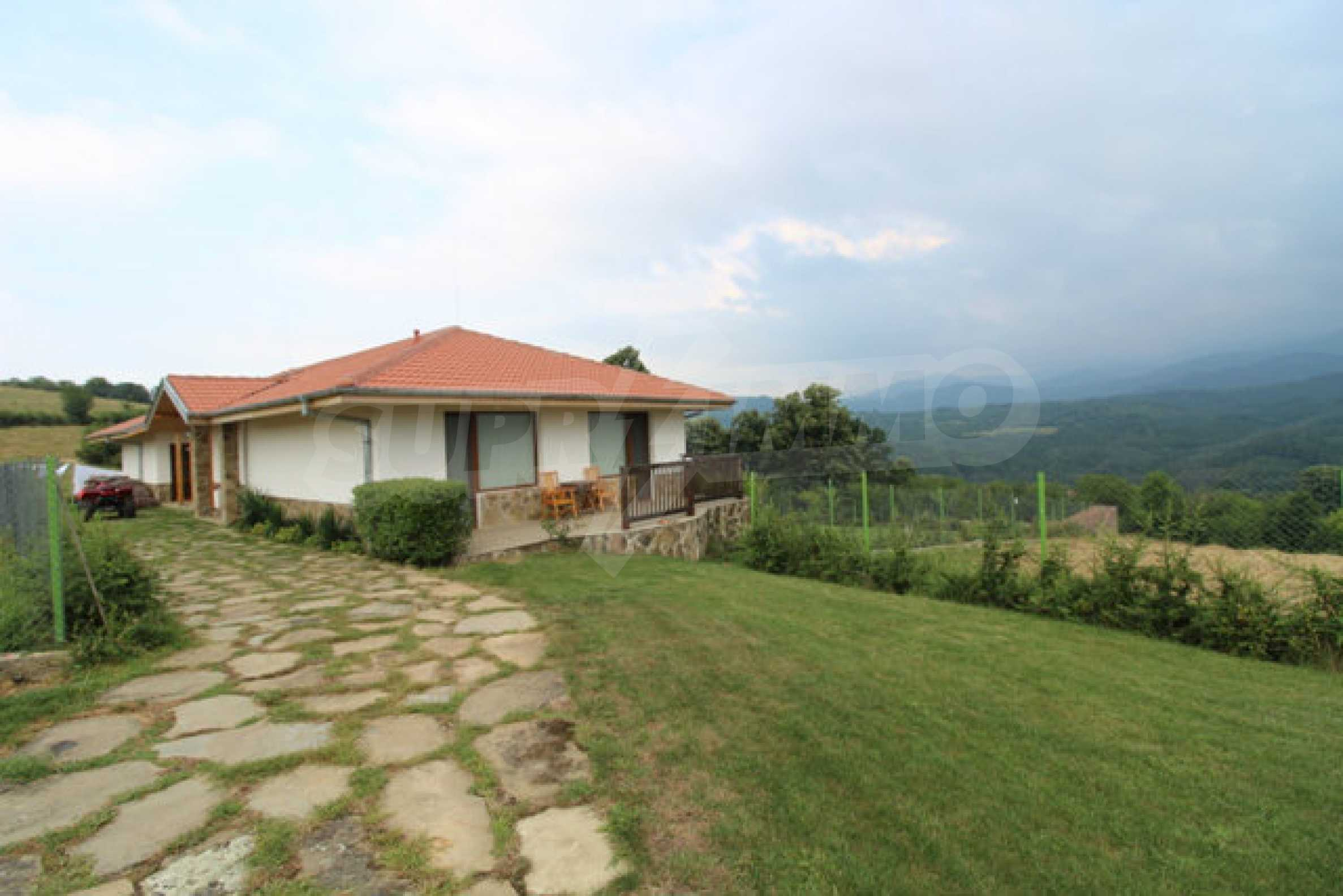 Уютна  къща с уникална панорама  на 7 км. от гр. Априлци 60