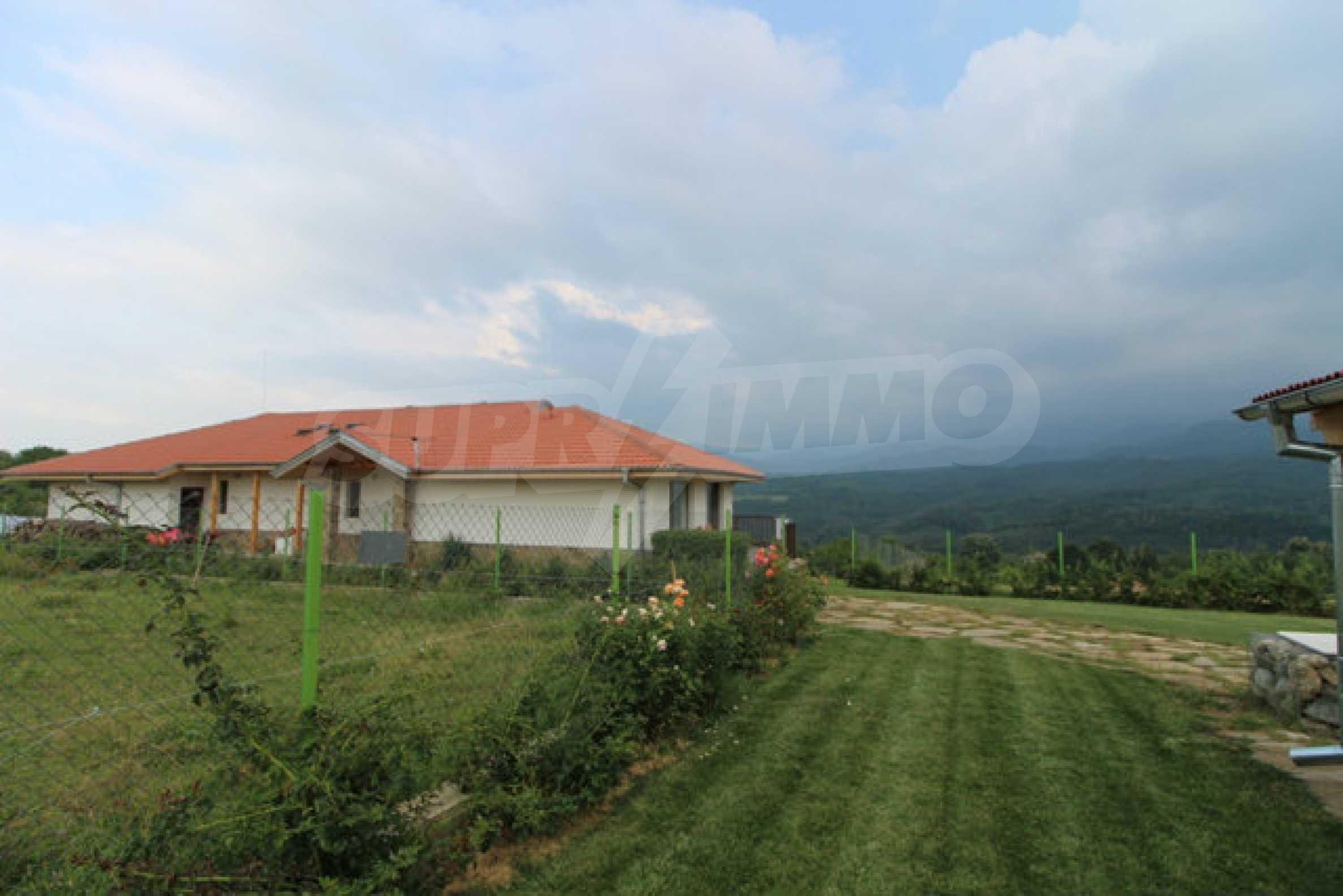 Уютна  къща с уникална панорама  на 7 км. от гр. Априлци 61