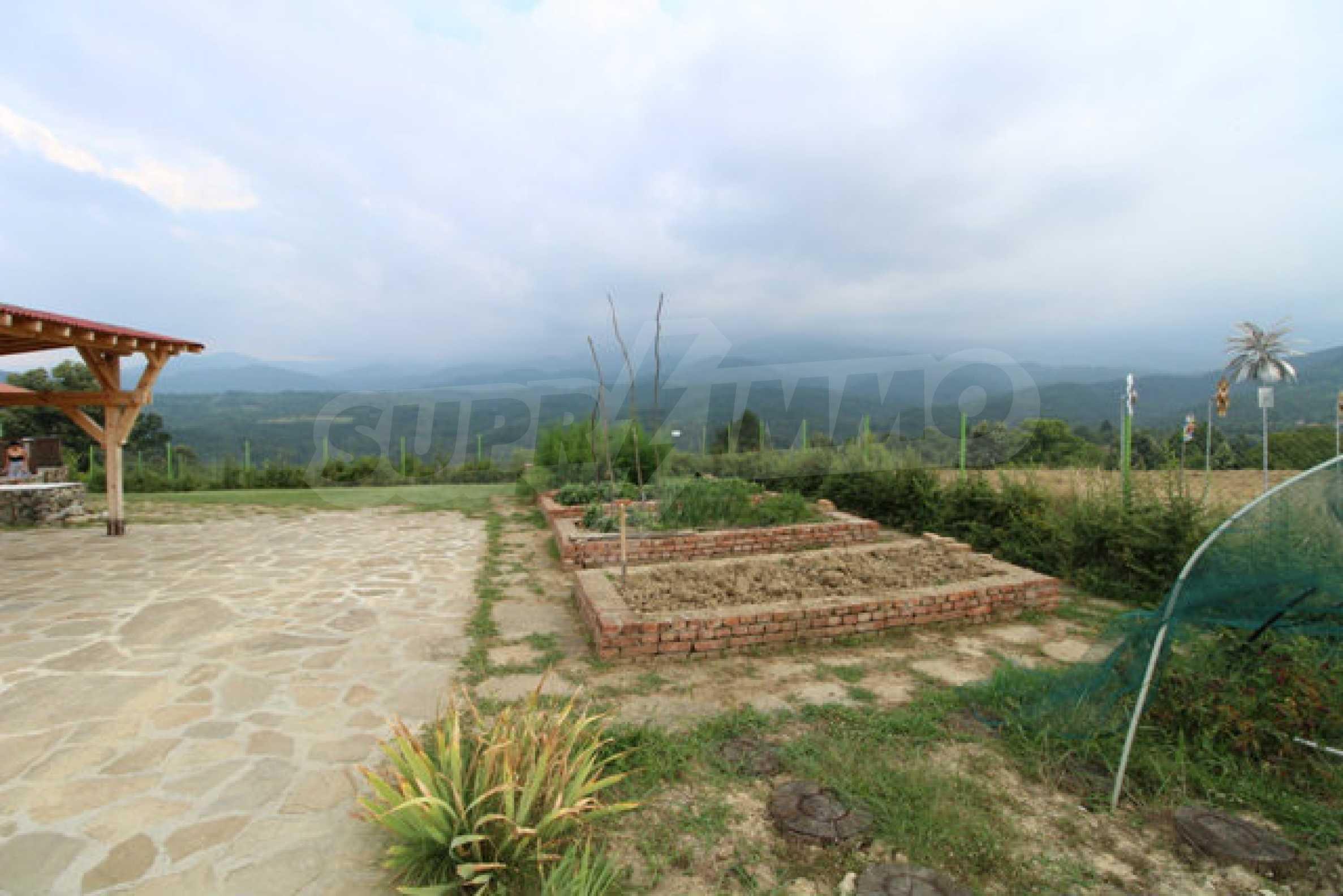 Уютна  къща с уникална панорама  на 7 км. от гр. Априлци 62