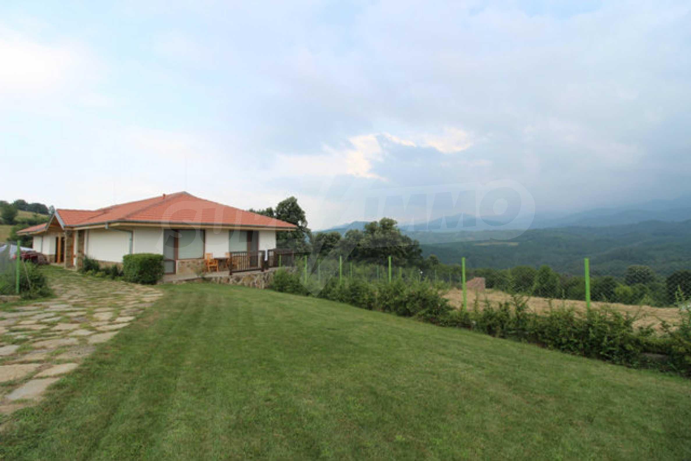 Уютна  къща с уникална панорама  на 7 км. от гр. Априлци 63