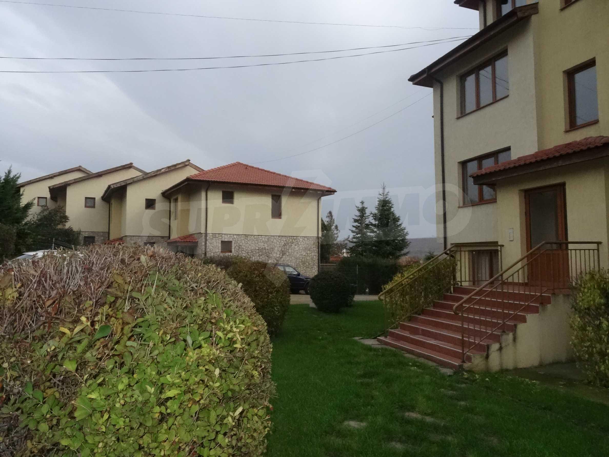 Тристаен апартамент до ключ близо до курорти Албена и Кранево 11