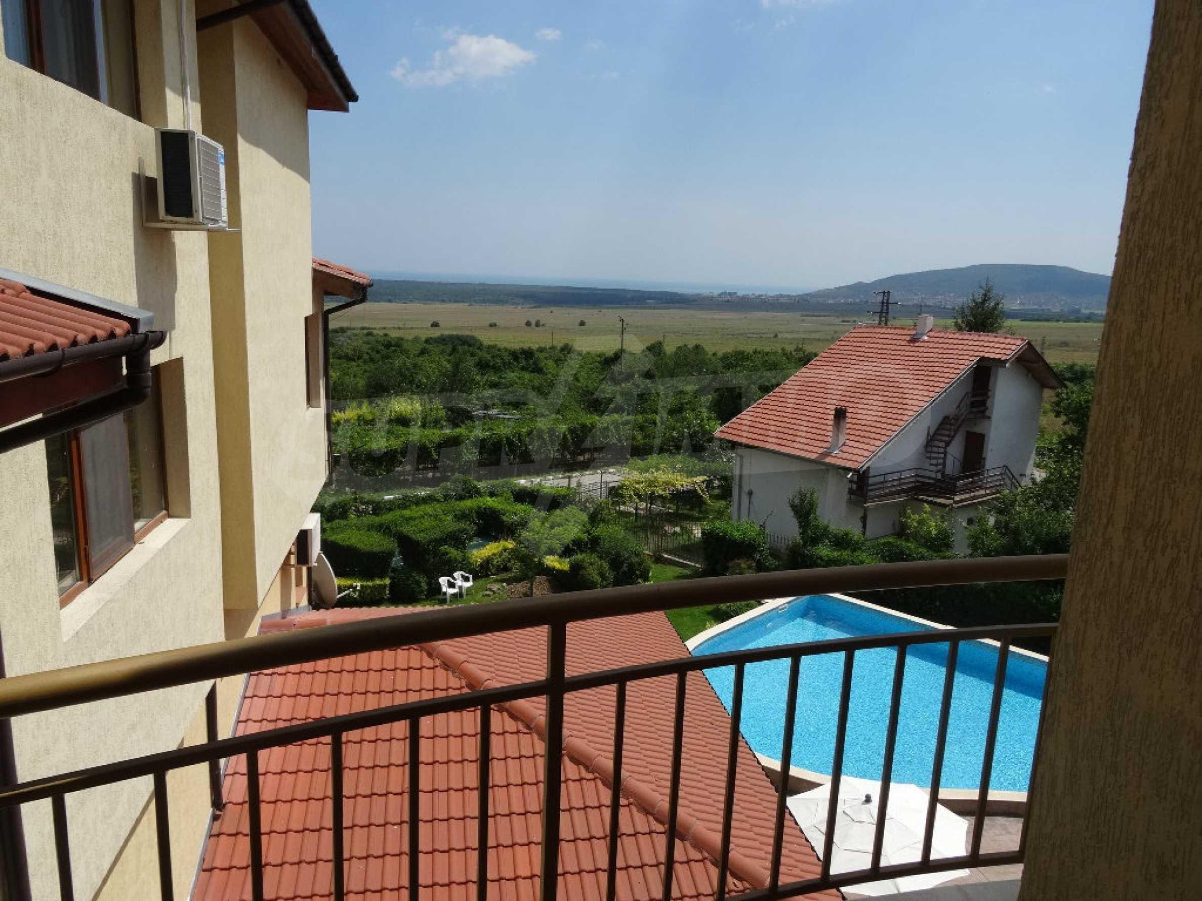 Тристаен апартамент до ключ близо до курорти Албена и Кранево 7