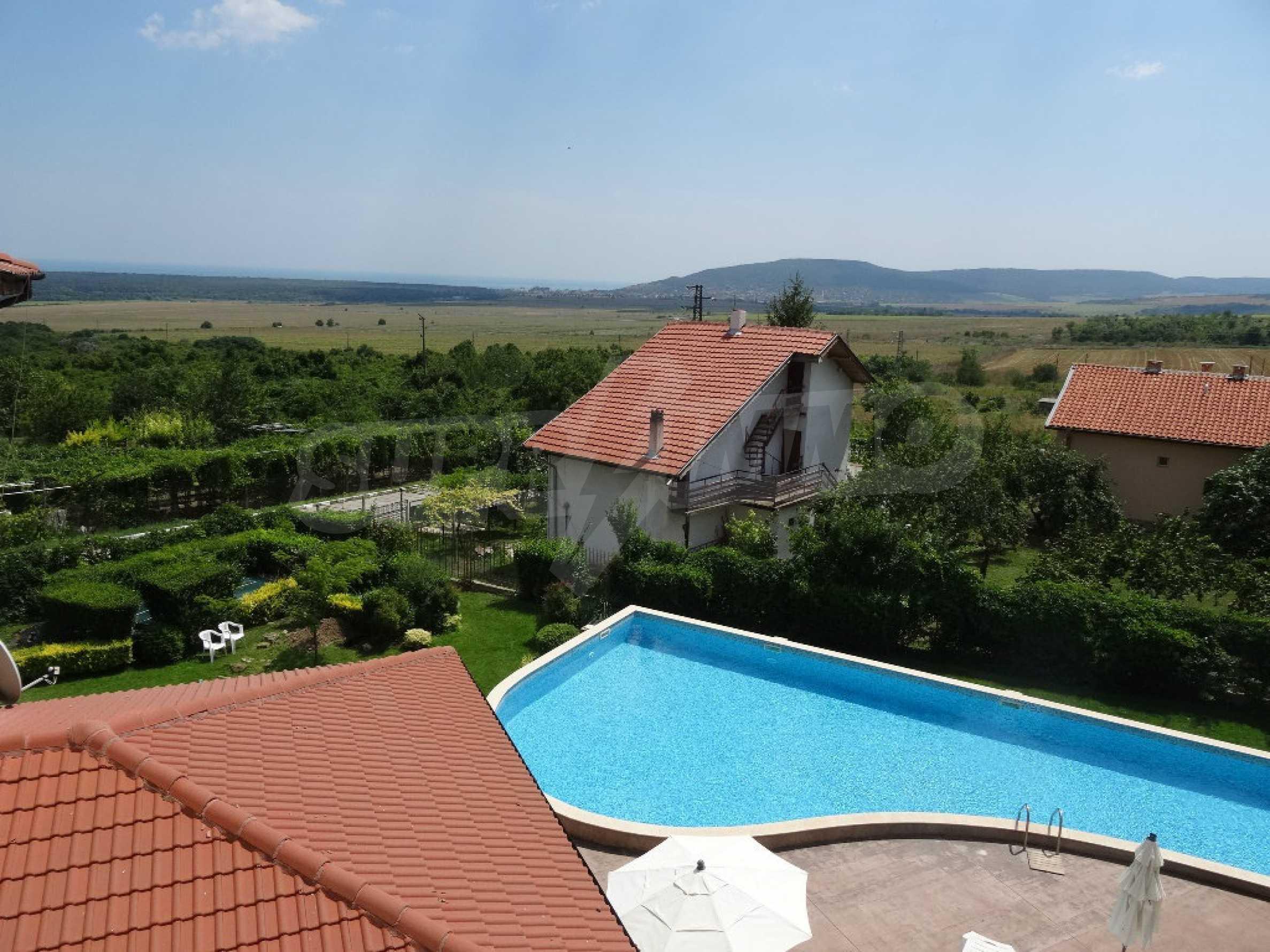 Тристаен апартамент до ключ близо до курорти Албена и Кранево 8