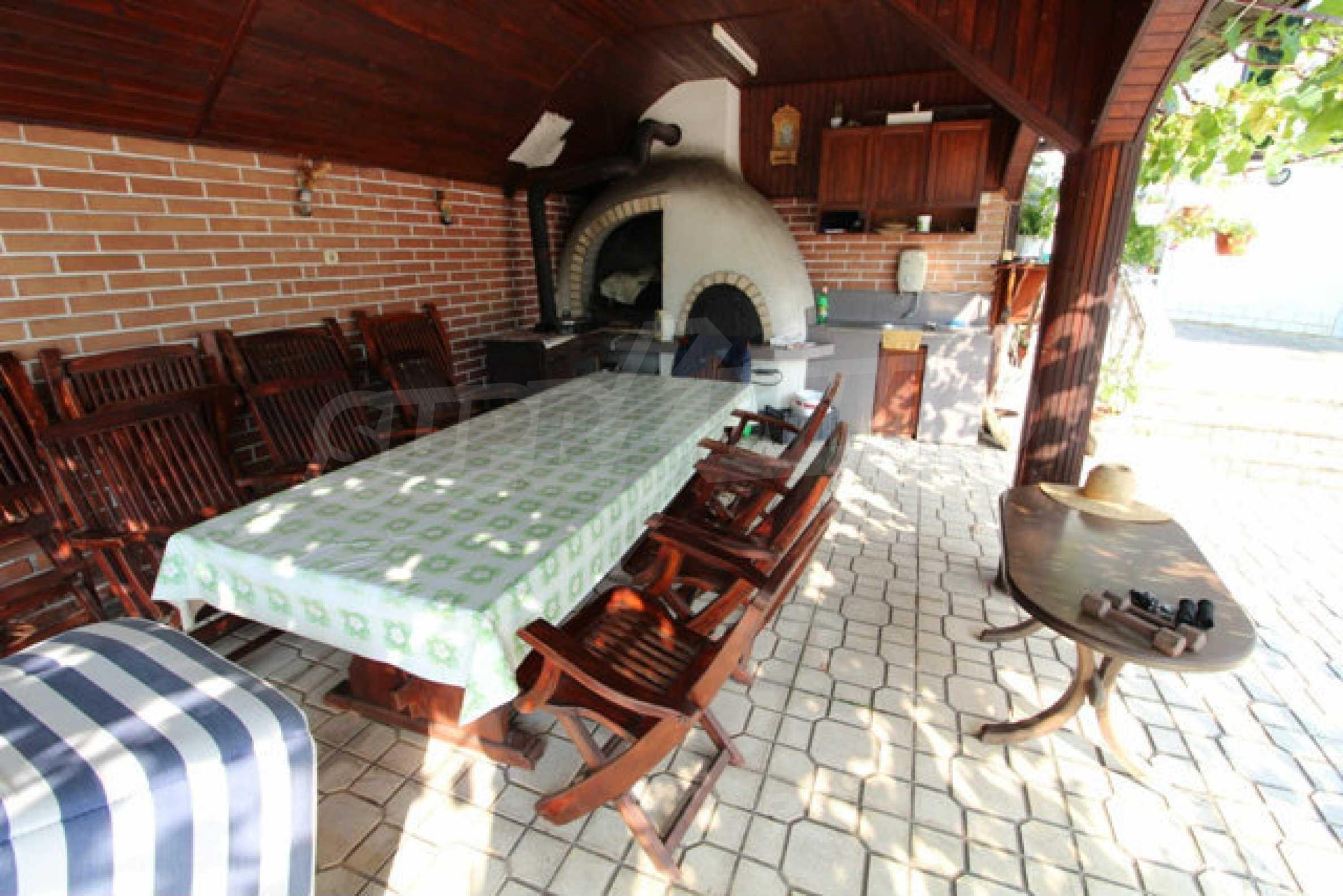 Планинско имение с басейн сред красивата природа на Троянския Балкан  16